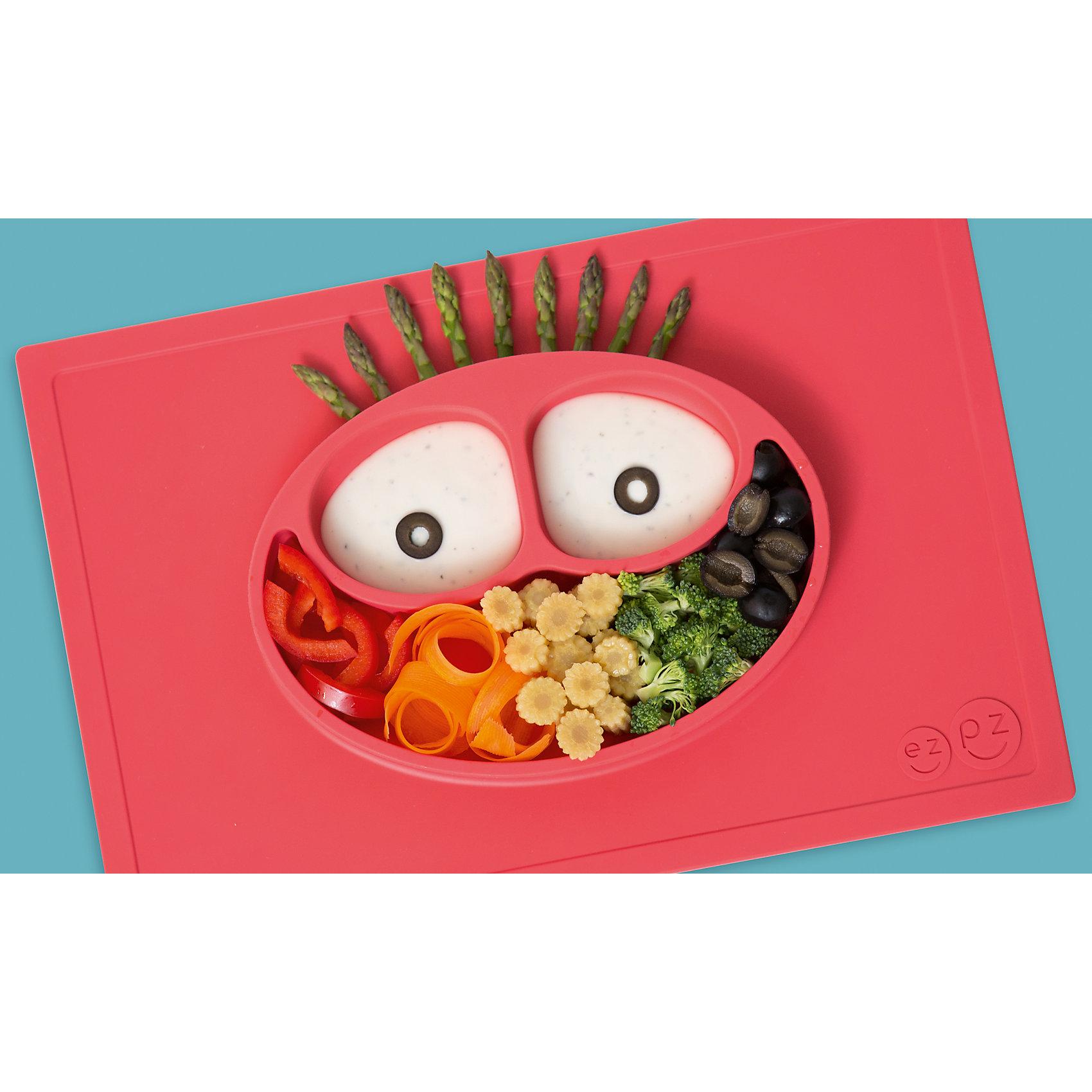 Тарелка трехсекционная с подставкой Happy Mat, 540 мл., ezpz, коралловыйПосуда для малышей<br>Тарелка с подставкой Happy Mat, ezpz, коралловый.<br><br>Характеристики:<br>• изготовлена из качественного пищевого силикона<br>• надежно крепится к столу<br>• сгибается по краям<br>• 3 отсека для еды<br>• подходит для посудомоечной машины и микроволновой печи<br>• не содержит бисфенол, свинец, фталаты, поливинилхлорид<br>• приятный дизайн<br>• состав: 100% силикон<br>• размер: 38х25,5х3 см<br>• объем: 540 мл<br>• цвет: коралловый<br><br>Тарелка с подставкой Happy Mat, ezpz пригодится, если в доме живут маленькие непоседы. Тарелка имеет 3 глубоких отсека, что позволяет подавать еду раздельно. Вы сможете одновременно подать к столу мясо, гарнир и фрукты, не пачкая лишнюю посуду. Дно тарелки надежно крепится к плоской поверхности - вы можете не переживать, что малыш опрокинет еду и обожжется. Приятный дизайн тарелки понравится ребенку, и он обязательно будет есть с аппетитом!<br><br>Тарелку с подставкой Happy Mat, ezpz, коралловый можно купить в нашем интернет-магазине.<br><br>Ширина мм: 380<br>Глубина мм: 25<br>Высота мм: 255<br>Вес г: 701<br>Возраст от месяцев: 0<br>Возраст до месяцев: 36<br>Пол: Унисекс<br>Возраст: Детский<br>SKU: 5068702
