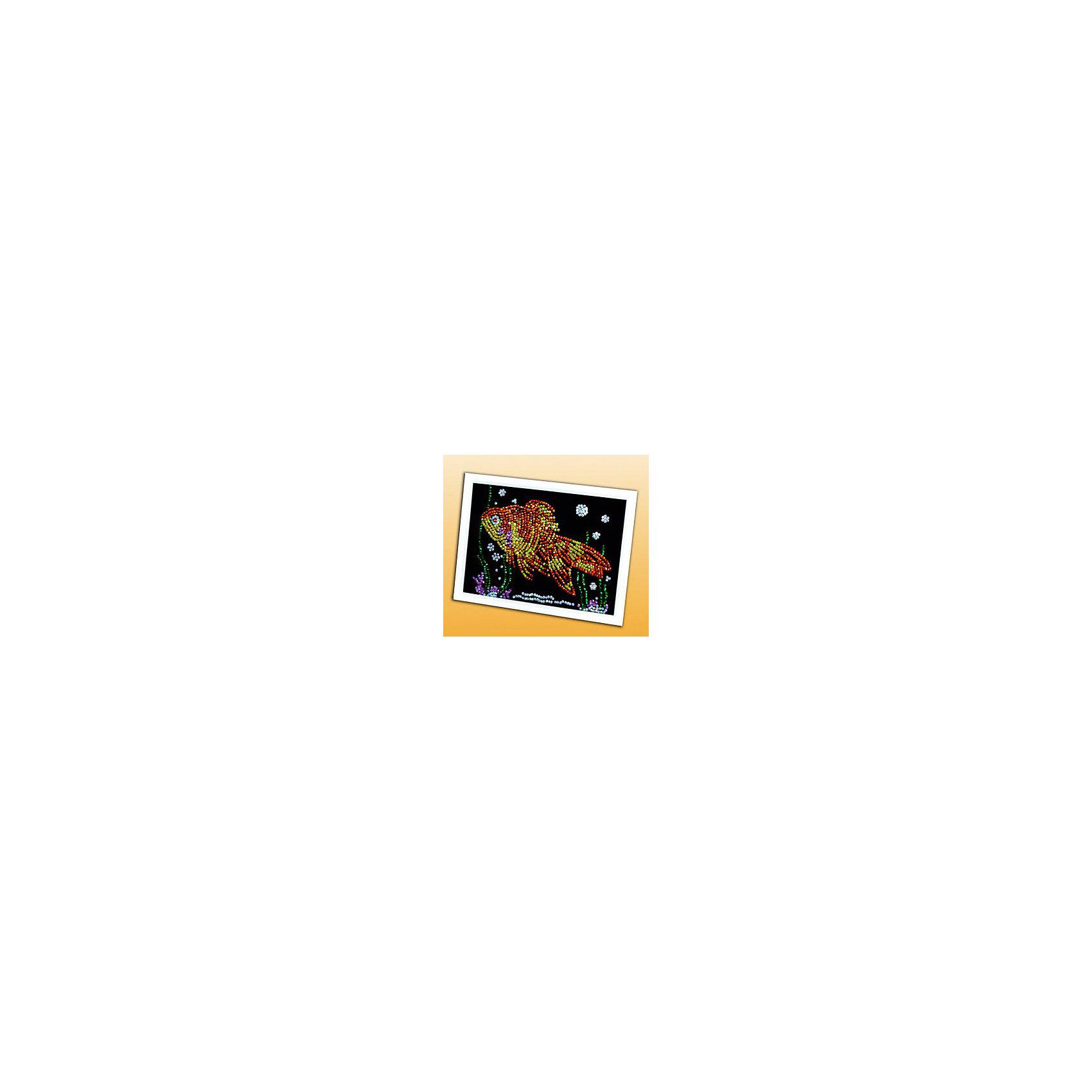 Мозаика из пайеток Золотая рыбкаНабор для детского творчества «Мозайка из пайеток» дарит возможность составить рисунок с бабочкой из пайеток. Пайтеки – это блестка, плоская чешуйка из блестящего материала, обычно круглой или многогранной формы и с отверстием для продевания нитки. Пайетка может иметь различную окраску. <br>Набор способствует развитию фантазии ребенка, мелкой моторики рук. Тренирует усидчивость и терпение, так как приходится работать с достаточно мелкими деталями. Подойдет как для домашних занятий творчеством так и для школьных.<br><br>Ширина мм: 375<br>Глубина мм: 34<br>Высота мм: 277<br>Вес г: 318<br>Возраст от месяцев: 36<br>Возраст до месяцев: 108<br>Пол: Унисекс<br>Возраст: Детский<br>SKU: 5075360