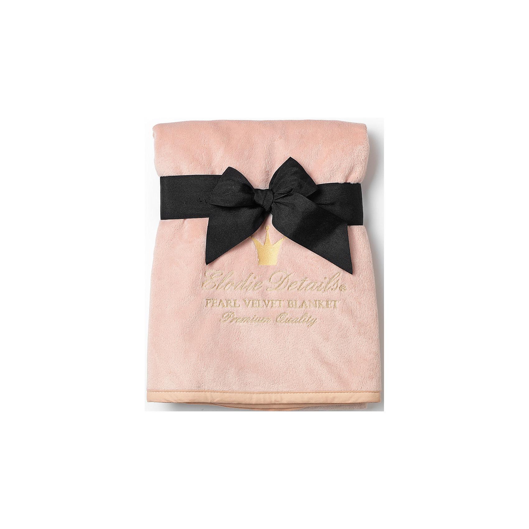 Плед Powder Pink, Elodie DetailsОдеяла, пледы<br>Плед Powder Pink, Elodie Details.<br><br>Характеристики: <br><br>• Материал: флис  Pearl Velvet.<br>• Влагоизоляционный материал.<br>• Рекомендована машинная стирка.<br>•  Размеры: 75х100 см.<br><br>Плед Powder Pink, Elodie Details от известного шведского производителя функциональных и инновационных товаров для детей. Плед выполнен из бархатного флиса  Pearl Velvet. Этот материал  нового поколения завораживает своей нежностью и теплотой. Данная модель выполнена в нежном пудрово- розовом  цвете и украшена золотым принтом (логотип бренда). Pearl Velvet имеет влагоизоляционные особенности, что важно  и необходимо для детских одеял. Таким пледом очень удобно пользоваться, он отлично подходит для любого времени года. Прекрасно подходит для использования в коляске. Высокое качество материала позволяет стирать плед в стиральной машине. Даже после многократных стирок Плед Powder Pink, Elodie Details не потеряет свою форму, мягкость и цвет. Материалы, из которых сделан плед, протестированы на качество, гигиеничность и безопасность. Подарите ребенку заботу и комфорт, завернув его в такой плед!<br><br>Плед Powder Pink, Elodie Details, можно купить в нашем интернет  -магазине.<br><br>Ширина мм: 450<br>Глубина мм: 230<br>Высота мм: 30<br>Вес г: 380<br>Возраст от месяцев: 0<br>Возраст до месяцев: 36<br>Пол: Унисекс<br>Возраст: Детский<br>SKU: 5077456