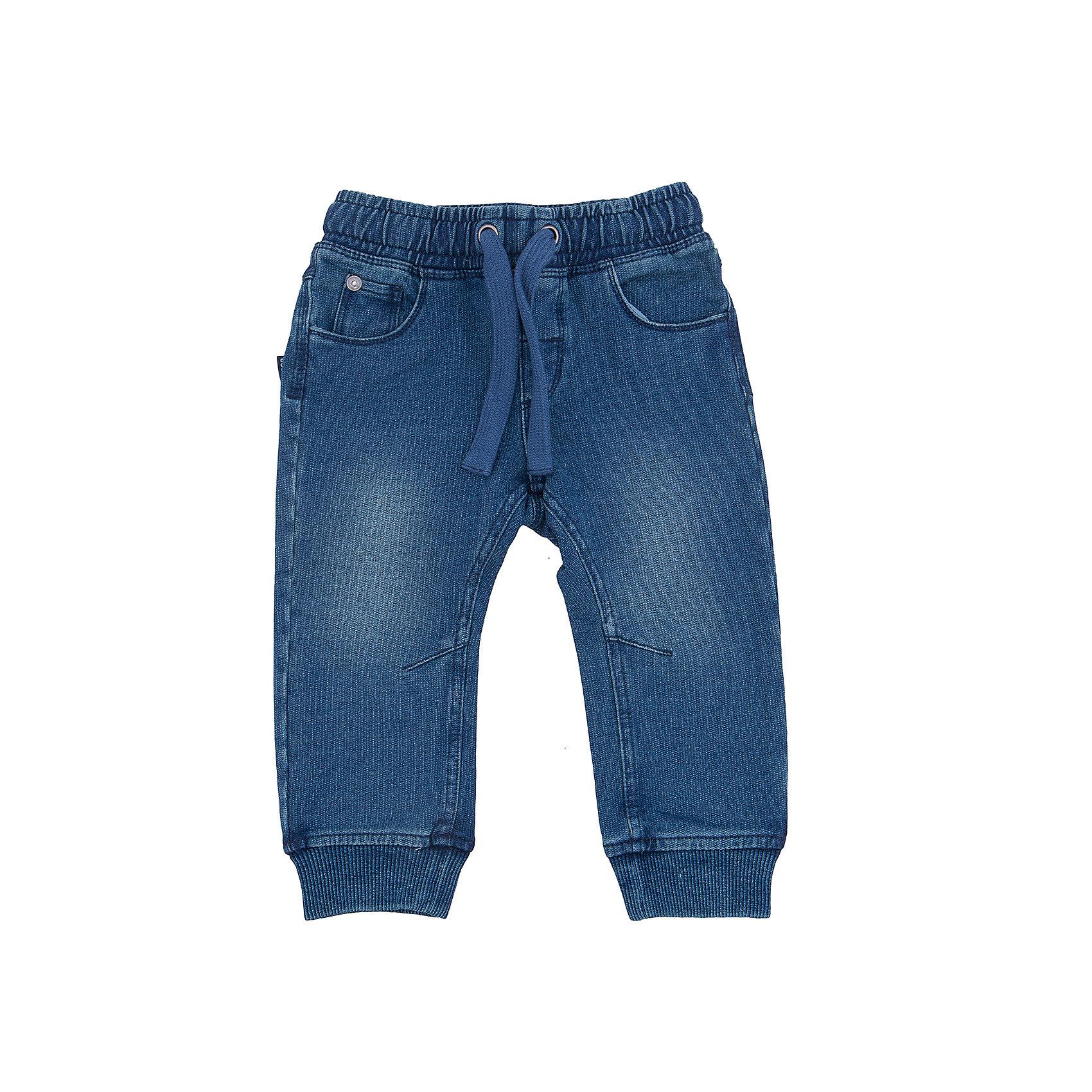 Брюки CHICCO для мальчикаБрюки CHICCO для мальчика<br><br>Характеристики:<br><br>Фактура материала: джинсовый трикотаж<br>Тип брюк: на резинке, обхват талии регулируется мягкой тесемкой<br>Тип карманов: карманы впереди и сзади<br>Вид отделки: стягивающие резиночки внизу изделия<br><br>Состав: 96% хлопок, 4% эластан<br><br>Брюки CHICCO для мальчика можно купить в нашем интернет-магазине.<br><br>Ширина мм: 215<br>Глубина мм: 88<br>Высота мм: 191<br>Вес г: 336<br>Цвет: синий<br>Возраст от месяцев: 72<br>Возраст до месяцев: 84<br>Пол: Мужской<br>Возраст: Детский<br>Размер: 122,128,74,80,86,92,98,104,110,116<br>SKU: 5082621