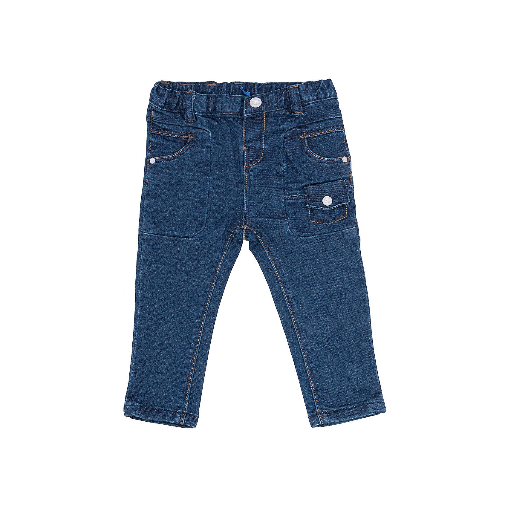 Брюки  для мальчика CHICCOДжинсы и брючки<br>Джинсы CHICCO для мальчика<br><br>Характеристики:<br><br>Фактура материала: джинсовый трикотаж<br>Особенности брюк: зауженные<br>Тип брюк: обхват талии регулируется, есть пуговица и молния, есть шлевки - петельки для ремня<br>Тип карманов: карманы впереди и сзади + дополнительные<br>Вид отделки: контрастная строчка<br><br>Состав: 98% хлопок, 2% эластан<br><br>Брюки CHICCO для мальчика можно купить в нашем интернет-магазине.<br><br>Ширина мм: 215<br>Глубина мм: 88<br>Высота мм: 191<br>Вес г: 336<br>Цвет: полуночно-синий<br>Возраст от месяцев: 6<br>Возраст до месяцев: 9<br>Пол: Мужской<br>Возраст: Детский<br>Размер: 74,92,80,86<br>SKU: 5082688