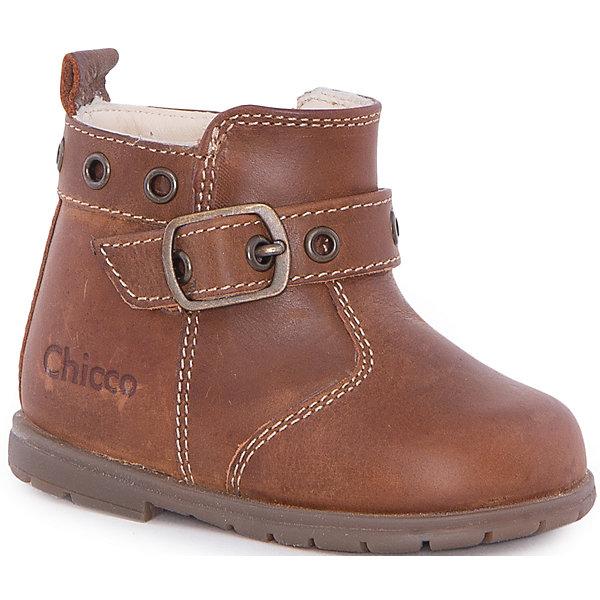Полуботинки   для мальчика  CHICCOБотинки<br>Ботинки для мальчика CHICCO<br><br>Характеристики:<br><br>Тип застежки: боковая молния + пряжка<br>Тип обуви: высокие<br>Особенности обуви: кожаные<br>Декоративные элементы: маленький каблучок<br>Цвет: коричневый<br><br>Материал: 100% кожа<br><br>Ботинки для мальчика CHICCO можно купить в нашем интернет-магазине.<br><br>Ширина мм: 262<br>Глубина мм: 176<br>Высота мм: 97<br>Вес г: 427<br>Цвет: коричневый<br>Возраст от месяцев: 6<br>Возраст до месяцев: 9<br>Пол: Унисекс<br>Возраст: Детский<br>Размер: 19,23,20,21,22<br>SKU: 5082865