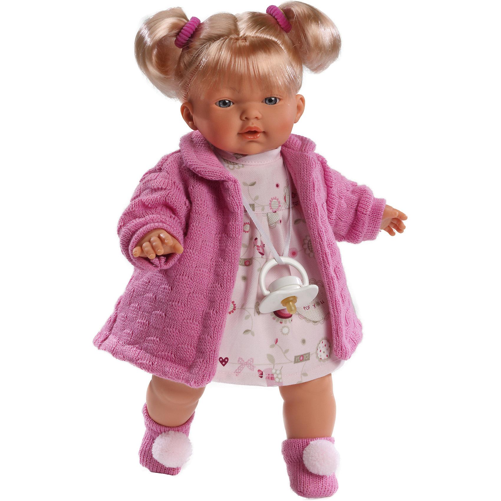 Кукла Кэрол, 33 см, LlorensКлассические куклы<br>Характеристики:<br><br>• Предназначение: для сюжетно-ролевых игр<br>• Тип куклы: мягконабивная<br>• Пол куклы: девочка <br>• Цвет волос: блондинка<br>• Материал: поливинилхлорид, пластик, нейлон, текстиль<br>• Цвет: оттенки розового, белый<br>• Высота куклы: 33 см<br>• Комплектация: кукла, платье, вязаное пальто, носочки, пустышка на ленточке<br>• Вес: 700 г<br>• Размеры упаковки (Д*В*Ш): 20*37*10 см<br>• Упаковка: подарочная картонная коробка <br>• Особенности ухода: допускается деликатная стирка без использования красящих и отбеливающих средств предметов одежды куклы<br><br>Кукла Кэрол 33 см без звука – кукла, производителем которого является всемирно известный испанский кукольный бренд Llorens. Куклы этой торговой марки имеют свою неповторимую внешность и целую линейку образов как пупсов, так и кукол-малышей. Игрушки выполнены из сочетания поливинилхлорида и пластика, что позволяет с высокой долей достоверности воссоздать физиологические и мимические особенности маленьких детей. При изготовлении кукол Llorens используются только сертифицированные материалы, безопасные и не вызывающие аллергических реакций. Волосы у кукол отличаются густотой, шелковистостью и блеском, при расчесывании они не выпадают и не ломаются.<br>Кукла Мария 33 см без звука выполнена в образе малышки: блондинка с голубыми глазами и задорными хвостиками. В комплект одежды Кэрол входит платьице, вязаное пальто ярко-розового цвета и носочки с помпонами. У малышки имеется соска на ленточке. <br>Кукла Кэрол 33 см без звука – это идеальный вариант для подарка к различным праздникам и торжествам.<br><br>Куклу Кэрол 33 см без звука можно купить в нашем интернет-магазине.<br><br>Ширина мм: 20<br>Глубина мм: 37<br>Высота мм: 10<br>Вес г: 700<br>Возраст от месяцев: 36<br>Возраст до месяцев: 84<br>Пол: Женский<br>Возраст: Детский<br>SKU: 5086891