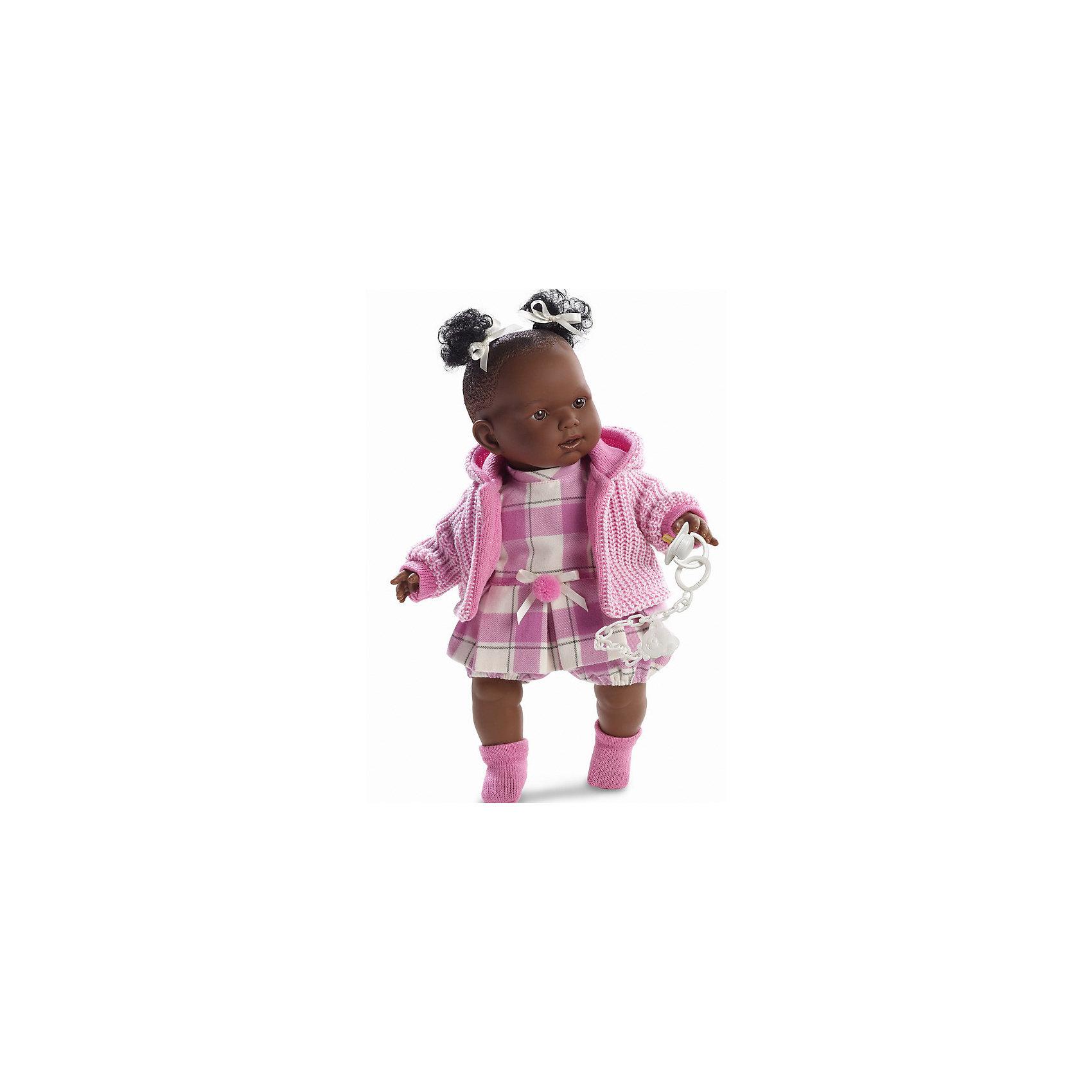Кукла Николь, 42 см, LlorensКлассические куклы<br>Характеристики:<br><br>• Предназначение: для сюжетно-ролевых игр<br>• Тип куклы: мягконабивная<br>• Пол куклы: девочка <br>• Цвет волос: черный<br>• Материал: поливинилхлорид, пластик, нейлон, текстиль<br>• Цвет: розовый, белый<br>• Высота куклы: 42 см<br>• Комплектация: кукла, платье, кофточка с капюшоном, носочки, пустышка на цепочке<br>• Вес: 1 кг 360 г<br>• Размеры упаковки (Д*В*Ш): 23*45*12 см<br>• Упаковка: подарочная картонная коробка <br>• Особенности ухода: допускается деликатная стирка без использования красящих и отбеливающих средств предметов одежды куклы<br><br>Кукла Николь 42 см без звука – кукла, производителем которого является всемирно известный испанский кукольный бренд Llorens. Куклы этой торговой марки имеют свою неповторимую внешность и целую линейку образов как пупсов, так и кукол-малышей. Игрушки выполнены из сочетания поливинилхлорида и пластика, что позволяет с высокой долей достоверности воссоздать физиологические и мимические особенности маленьких детей. При изготовлении кукол Llorens используются только сертифицированные материалы, безопасные и не вызывающие аллергических реакций. Волосы у кукол отличаются густотой, шелковистостью и блеском, при расчесывании они не выпадают и не ломаются.<br>Кукла Николь 42 см без звука выполнена в образе малышки-афроамериканки: у нее черные кудрявые волосы, собранные в два хвостика, и карие глаза. Комплект одежды Николь состоит из клетчатого платьица с пояском, вязаной кофточки с капюшоном и розовых носочков. У малышки имеется соска на цепочке-держателе. <br>Кукла Николь 42 см без звука – это идеальный вариант для подарка к различным праздникам и торжествам.<br><br>Куклу Николь 42 см без звука можно купить в нашем интернет-магазине.<br><br>Ширина мм: 23<br>Глубина мм: 45<br>Высота мм: 12<br>Вес г: 1360<br>Возраст от месяцев: 36<br>Возраст до месяцев: 84<br>Пол: Женский<br>Возраст: Детский<br>SKU: 5086920