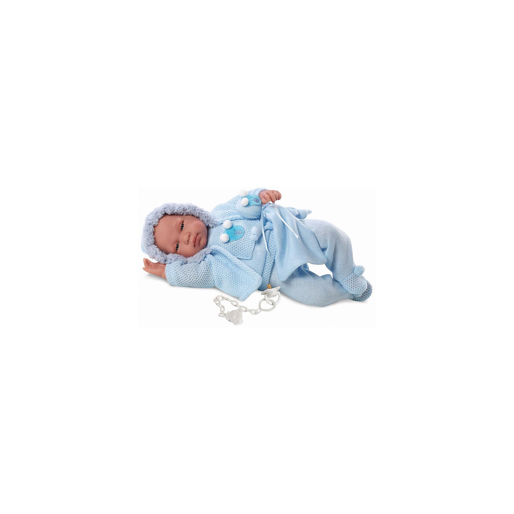 Пупс, 43 см, LlorensХарактеристики:<br><br>• Предназначение: для сюжетно-ролевых игр<br>• Тип куклы: мягконабивная<br>• Пол куклы: мальчик <br>• Волосы: прорисованные<br>• Материал: поливинилхлорид, пластик, текстиль<br>• Цвет: голубой<br>• Высота куклы: 43 см<br>• Комплектация: кукла, кофточка, шортики, чепчик, носочки, одеяло, соска с держателем<br>• Вес: 1 кг 400 г<br>• Звуковые эффекты: плачет, произносит мама и папа<br>• Батарейки: з шт. типа AG13/LR44 (предусмотрены в комплекте)<br>• Размеры упаковки (Д*В*Ш): 23*46*13 см<br>• Упаковка: подарочная картонная коробка <br>• Особенности ухода: допускается деликатная стирка без использования красящих и отбеливающих средств предметов одежды куклы<br><br>Кукла младенец 43 см – пупс, производителем которого является всемирно известный испанский кукольный бренд Llorens. Куклы этой торговой марки имеют свою неповторимую внешность и целую линейку образов как пупсов, так и кукол-малышей. Игрушки выполнены из сочетания поливинилхлорида и пластика, что позволяет с высокой долей достоверности воссоздать физиологические и мимические особенности маленьких детей. При изготовлении кукол Llorens используются только сертифицированные материалы, безопасные и не вызывающие аллергических реакций. Волосы у кукол-пупсов прорисованные; ручки и ножки двигаются.<br>Кукла младенец 43 см выполнена в образе малыша: голубые глазки и пухлые щечки создают невероятно очаровательный и милый образ. В комплект одежды входит костюмчик, состоящий из кофточки с аппликацией, ползунков и верхней кофточки с капюшоном, выполненной ажурной вязкой. Младенец умеет плакать, а также говорить мама и папа. В наборе имеется соска с держателем.<br>Кукла младенец 43 см – это идеальный вариант для подарка к различным праздникам и торжествам.<br><br>Куклу младенца 43 см можно купить в нашем интернет-магазине.<br><br>Ширина мм: 23<br>Глубина мм: 46<br>Высота мм: 13<br>Вес г: 1400<br>Возраст от месяцев: 36<br>Возраст до месяцев: 84<br>Пол: Женский<br>Возраст: Детский<br