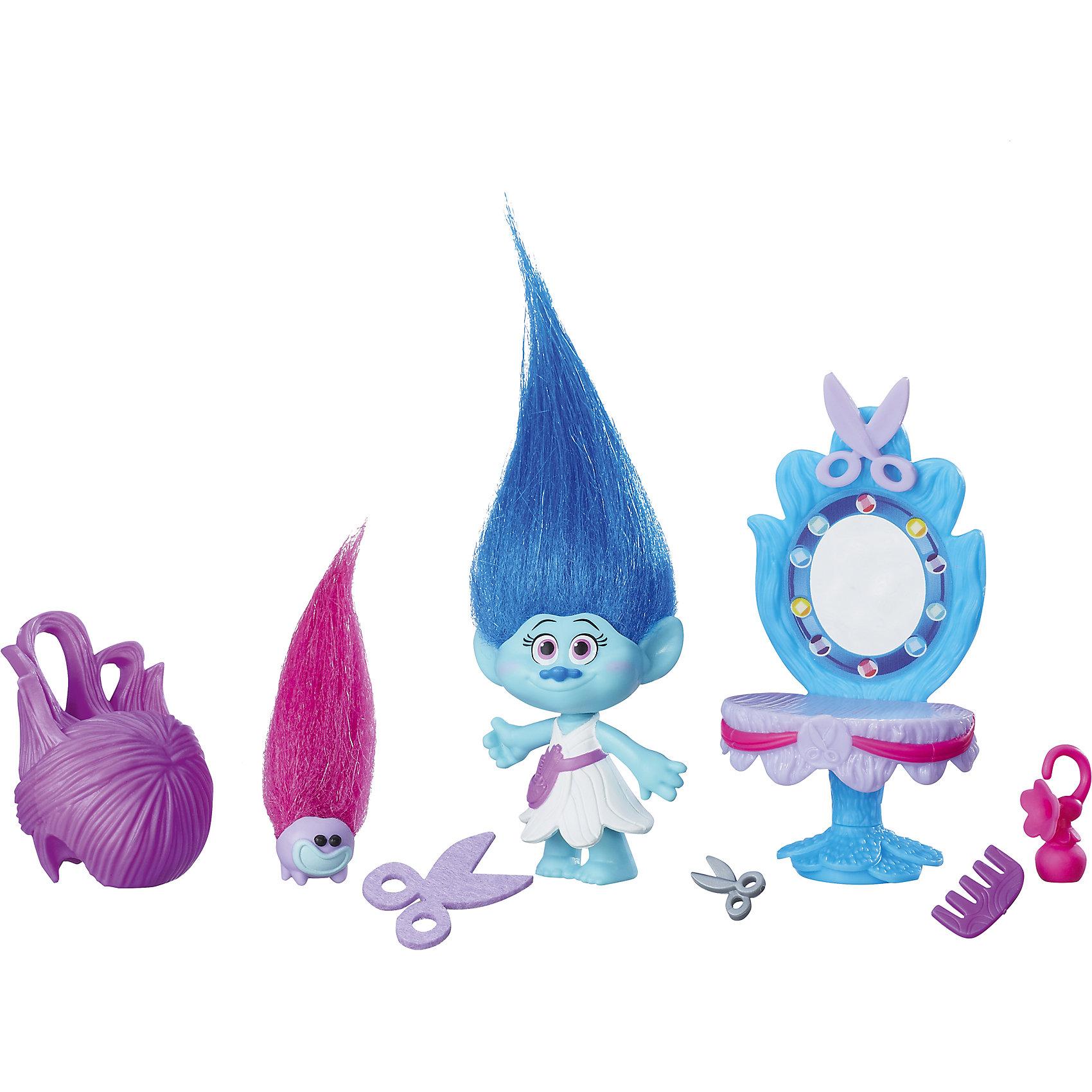 Игровой набор Парикмахерская Мэдди, ТроллиЛюбимые герои<br>Характеристики игрового набора Парикмахерская Мэдди:<br><br>- возраст: от 4 лет<br>- пол: для девочек<br>- комплект: салон красоты, фигурка, 12 аксессуаров (парики, фен, заколки, гребешок и др.); <br>- материал: пластик.<br>- размер упаковки: 30,5*7,5*25,5 см.<br>- упаковка: блистер на картоне.<br>- высота фигурки: 10 см.<br>- страна обладатель бренда: США.<br><br>Симпатичные тролли – новые герои компании DreamWorks (Дримвокс) . Совместно с торговой комапанией Hasbro (Хасб) были разработаны игрушки по мультфильму, который вышел на российские экраны 27 октября.<br>Главная героиня этого набора - тролль Розочка. Забавная и жизнерадостная девчонка живет в мире фантазий и иллюзий, радуется любым жизненным передрягам и никогда не пасует перед трудностями.<br>Игровой набор Салон красоты Троллей поможет придумать уйму новых игр. Многочисленные комнатки переносят действие в разные пространства. Вместе с аксессуарами можно придумать столько интересных историй, что от набора будет невозможно оторваться.<br>Выполняйте искусные прически на голове Розочки. Пусть ваша игрушка выглядит просто неотразимо.<br><br>Игровой набор Парикмахерская Мэдди можно купить в нашем интернет-магазине<br><br>Ширина мм: 230<br>Глубина мм: 177<br>Высота мм: 66<br>Вес г: 132<br>Возраст от месяцев: 48<br>Возраст до месяцев: 96<br>Пол: Унисекс<br>Возраст: Детский<br>SKU: 5087573