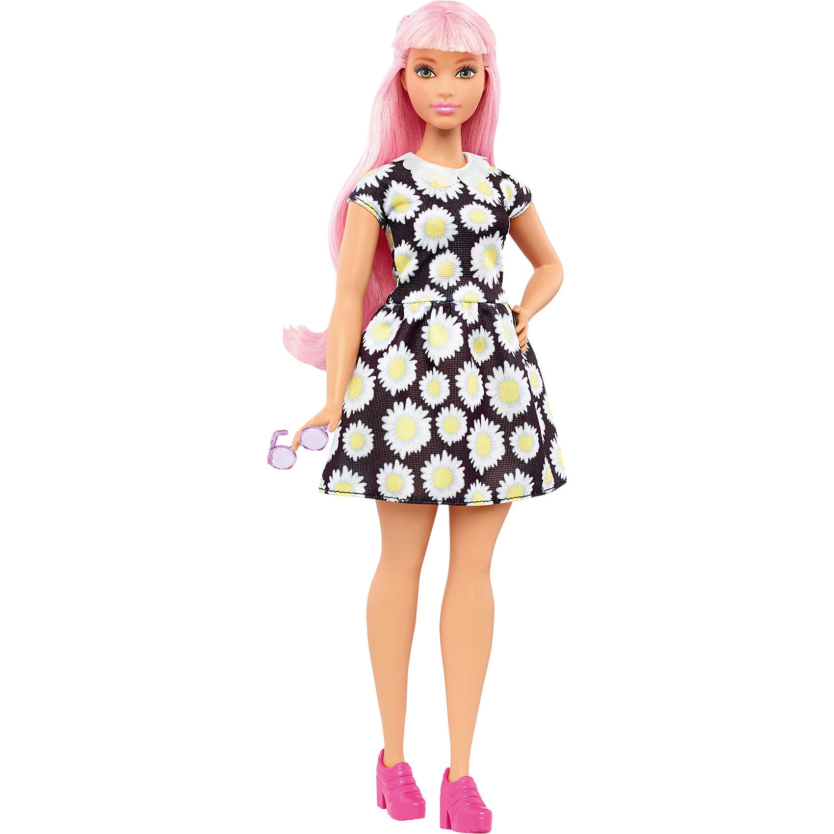 Кукла из серии Игра с модой Daisy Pop, BarbieХарактеристики товара:<br><br>• комплектация: кукла, одежда<br>• материал: пластик, текстиль<br>• серия: Barbie игра с модой<br>• руки, ноги гнутся<br>• высота куклы: 28 см<br>• возраст: от трех лет<br>• размер упаковки: 33х12х5 см<br>• вес: 0,3 кг<br>• страна бренда: США<br><br>Невероятно модный образ изящной куклы порадует маленьких любительниц стильных и необычных нарядов. Стильную одежду дополняет обувь и аксессуары. Длинные волосы позволяют делать разнообразные прически! Барби из серии Игра с модой станет великолепным подарком для девочек, которые следят за модными тенденциями.<br><br>Такие куклы помогают развить у девочек вкус и чувство стиля, отработать сценарии поведения в обществе, развить воображение и мелкую моторику. Барби от бренда Mattel не перестает быть популярной! <br><br>Куклу Барби Daisy Pop из серии «Barbie и Игра с Модой» от компании Mattel можно купить в нашем интернет-магазине.<br><br>Ширина мм: 329<br>Глубина мм: 114<br>Высота мм: 60<br>Вес г: 200<br>Возраст от месяцев: 36<br>Возраст до месяцев: 72<br>Пол: Женский<br>Возраст: Детский<br>SKU: 5089079