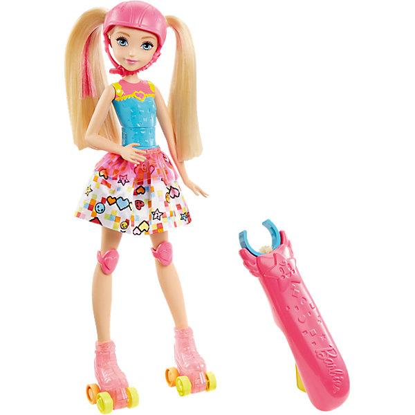 Кукла на роликах из серии «Barbie и виртуальный мир»Популярные игрушки<br>Кукла на роликах из серии «Barbie и виртуальный мир», (Барби)<br><br>Характеристики:<br><br>• специальная ручка позволяет управлять куклой<br>• ролики светятся при движении<br>• после нажатия на кнопку кукла исполнит интересный трюк<br>• материал: пластик, текстиль<br>• размер упаковки: 23х6х33 см<br>• вес: 428 грамм<br><br>Барби - любительница активного отдыха и аниме. Поэтому она одета в яркий костюм в стиле любимых героев и собирается покататься на роликовых коньках. При движении ролики начинают светиться разноцветными огоньками. Специальную ручку можно прикрепить на талию, чтобы с легкостью управлять куклой. Не обойдется и без красивых пируэтов. Нажмите на желтую кнопку - Барби покажет восхитительный трюк, поражающий своей изящностью. Барби одета в трико, яркую юбку. Ролики и наколенники выполнены в розовом цвете, который отлично сочетается с яркой прядью волос.<br><br>Куклу на роликах из серии «Barbie и виртуальный мир», (Барби) вы можете купить в нашем интернет-магазине.<br><br>Ширина мм: 326<br>Глубина мм: 228<br>Высота мм: 63<br>Вес г: 356<br>Возраст от месяцев: 36<br>Возраст до месяцев: 72<br>Пол: Женский<br>Возраст: Детский<br>SKU: 5089097