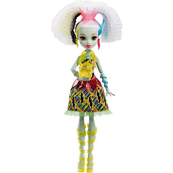 Электро Фрэнки из серии Под напряжением, Monster HighКуклы<br>Электро Фрэнки из серии Под напряжением, Monster High (Монстер Хай)<br><br>Характеристики:<br><br>• любимый питомец поможет Фрэнки светиться от счастья<br>• волосы куклы светятся разными цветами<br>• кукла умеет смеяться и устраивать световое шоу<br>• материал: пластик, текстиль<br>• высота куклы: 30 см<br>• батарейки: LR44 - 3 шт. (входят в комплект)<br>• размер упаковки: 33х21х9 см<br>• вес: 280 грамм<br><br>Красавица Фрэнки из серии Под напряжением понравится всем любителям Школы Монстров. После общения со своим питомцем Фрэнки забавно хохочет, а ее волосы начинают мигать разными цветами. Цветные волосы, световое шоу никого не оставят равнодушным! Фрэнки одета в платье с ярким принтом и модные сапожки. Серьги в виде молний и голубые браслеты подчеркивают неповторимость образа красавицы. Интерактивная Фрэнки подарит вам много положительных эмоций!<br><br>Электро Фрэнки из серии Под напряжением, Monster High (Монстер Хай) можно купить в нашем интернет-магазине.<br>Ширина мм: 327; Глубина мм: 205; Высота мм: 66; Вес г: 276; Возраст от месяцев: 72; Возраст до месяцев: 120; Пол: Женский; Возраст: Детский; SKU: 5089104;