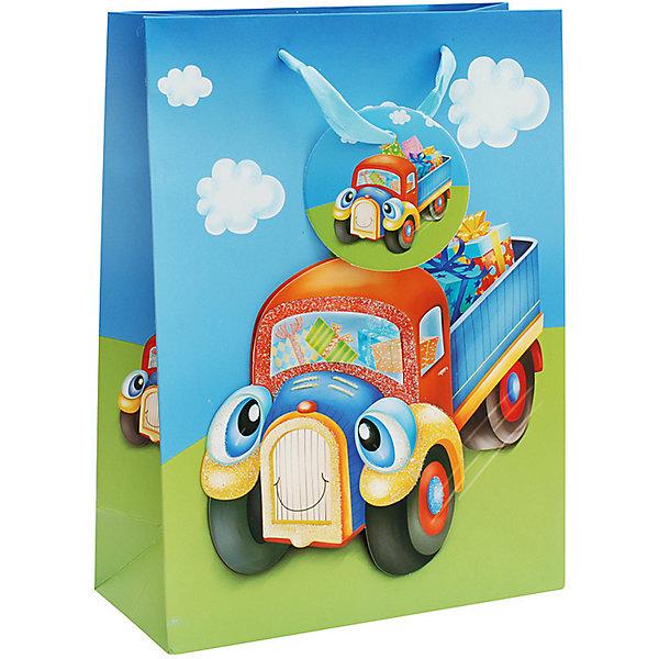 Подарочный пакет Грузовик 18*8*24 смДетские подарочные пакеты<br>Пакет Грузовичок, Белоснежка.<br><br>Характеристики:<br><br>• объемные элементы<br>• яркий дизайн<br>• прочные материалы<br>• состав: бумага<br>• размер: 18х8х24 см<br><br>В выборе подарка большое значение имеет и упаковка. Пакет Грузовичок имеет яркий дизайн и объемные элементы, что непременно произведет впечатление на получателя подарка. На пакете изображен красочный веселый грузовик, везущий подарки. Пакет выполнен из качественной плотной бумаги. Такая упаковка добавит веселья в праздничную атмосферу!<br><br>Вы можете купить пакет Грузовичок в нашем интернет-магазине.<br>Ширина мм: 240; Глубина мм: 180; Высота мм: 80; Вес г: 40; Возраст от месяцев: 72; Возраст до месяцев: 144; Пол: Женский; Возраст: Детский; SKU: 5089598;