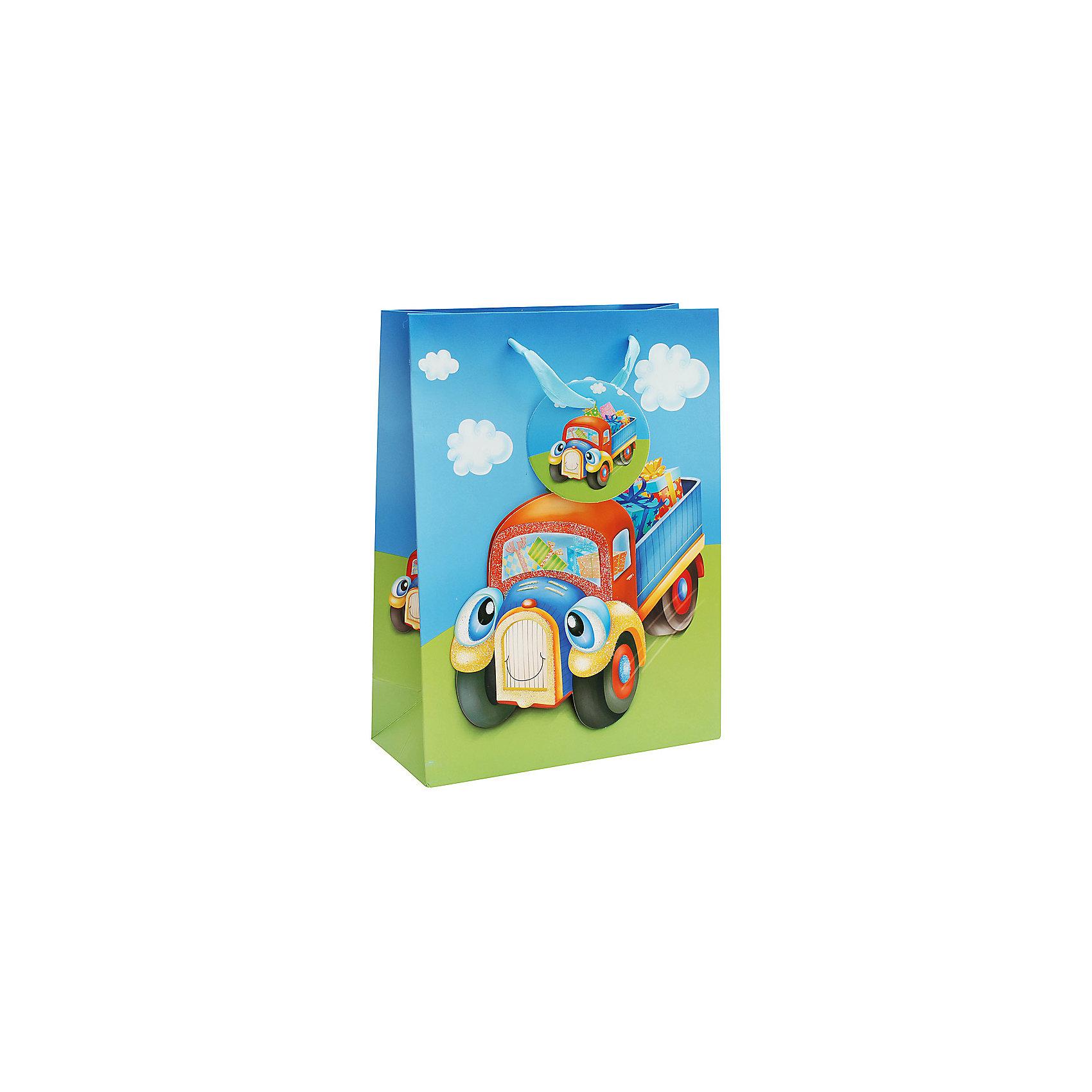 Подарочный пакет Грузовик 18*8*24 смВсё для праздника<br>Пакет Грузовичок, Белоснежка.<br><br>Характеристики:<br><br>• объемные элементы<br>• яркий дизайн<br>• прочные материалы<br>• состав: бумага<br>• размер: 18х8х24 см<br><br>В выборе подарка большое значение имеет и упаковка. Пакет Грузовичок имеет яркий дизайн и объемные элементы, что непременно произведет впечатление на получателя подарка. На пакете изображен красочный веселый грузовик, везущий подарки. Пакет выполнен из качественной плотной бумаги. Такая упаковка добавит веселья в праздничную атмосферу!<br><br>Вы можете купить пакет Грузовичок в нашем интернет-магазине.<br><br>Ширина мм: 240<br>Глубина мм: 180<br>Высота мм: 80<br>Вес г: 40<br>Возраст от месяцев: 72<br>Возраст до месяцев: 144<br>Пол: Женский<br>Возраст: Детский<br>SKU: 5089598