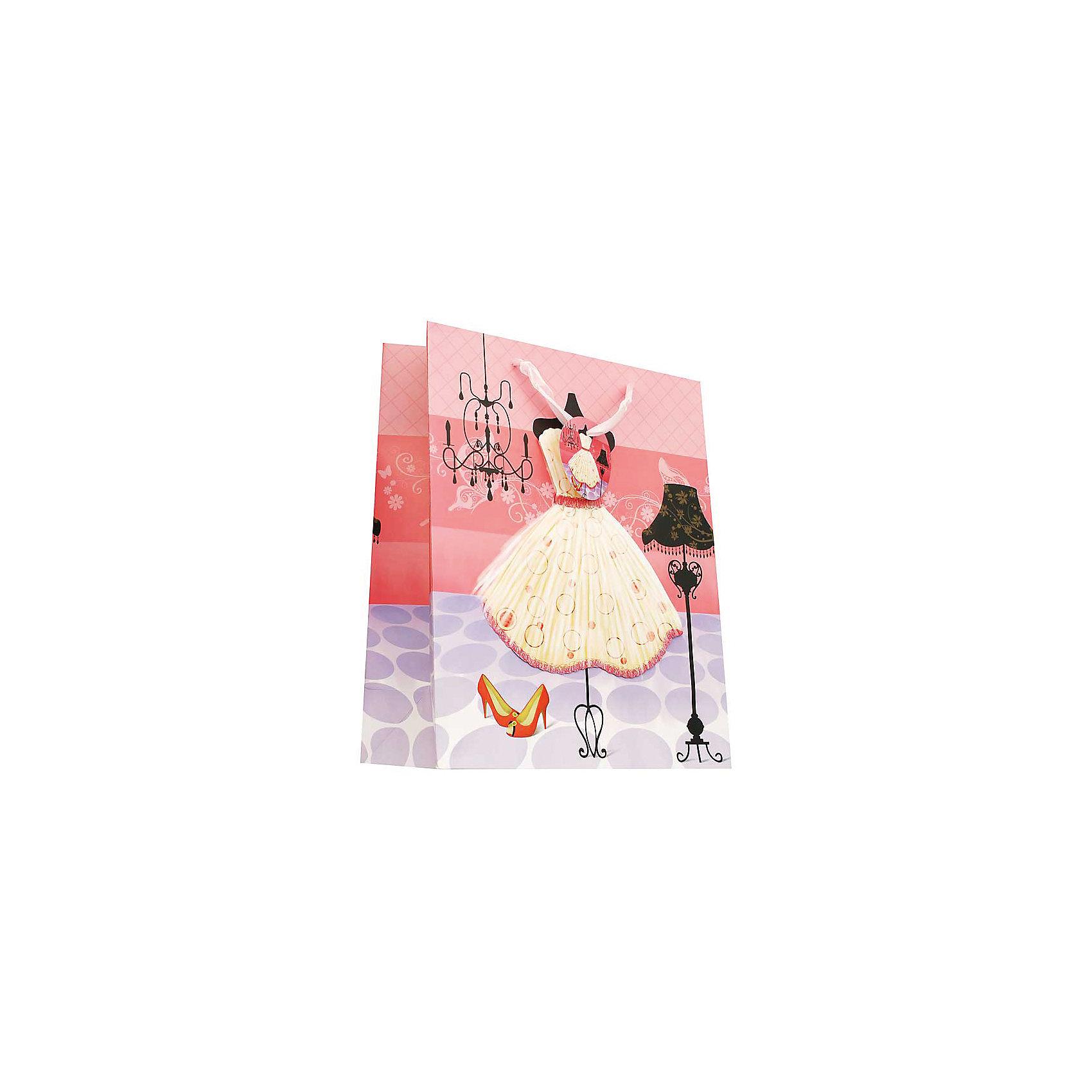 Пакет Чайное платьеПакет Чайное платье, Белоснежка.<br><br>Характеристики:<br><br>• оригинальный дизайн<br>• удобные ручки<br>• прочные материалы<br>• состав: бумага<br>• размер: 26х32х10 см<br><br>Пакет Чайное платье изготовлен из прочной бумаги и имеет плотное дно. Ручки пакета выполнены из ткани, приятной рукам. Пакет украшен рисунком с изображением очаровательного пышного платье. Этот пакет - превосходное дополнение к подарку!<br><br>Вы можете купить пакет Чайное платье в нашем интернет-магазине.<br><br>Ширина мм: 320<br>Глубина мм: 260<br>Высота мм: 100<br>Вес г: 40<br>Возраст от месяцев: 72<br>Возраст до месяцев: 144<br>Пол: Женский<br>Возраст: Детский<br>SKU: 5089602