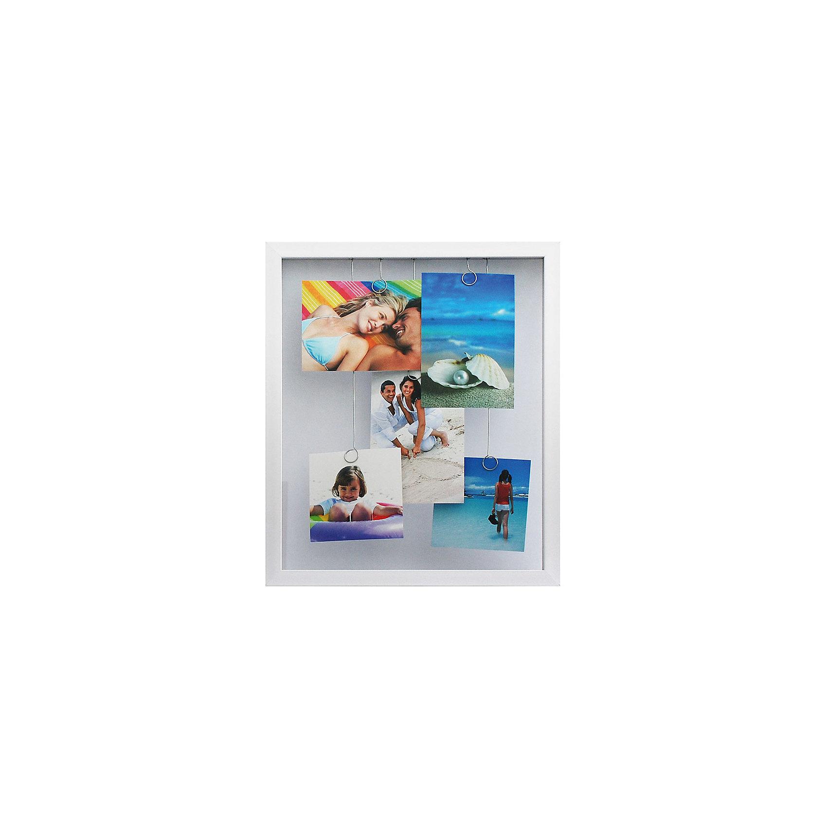 Фоторамка комбинированная белаяПредметы интерьера<br>Характеристики:<br><br>• Предназначение: для оформления фотографий, вышивок, картин<br>• Пол: универсальный<br>• Материал: пластик, оргстекло, металл<br>• Цвет: белый<br>• Комплектация: рамка с 5-ю металлическими зажимами<br>• Размеры (Ш*Д*В): 32*38,8*3 см<br>• Вес в упаковке: 900 г <br>• Упаковка: картонная коробка<br><br>Фоторамка комбинированная белая – это пластиковая фоторамка от торговой марки Белоснежка, специализирующейся на товарах для творчества и рукоделия. Изделие изготовлено в виде рамки с пятью металлическими зажимами, благодаря которым можно легко комбинировать и группировать разные фотографии внутри самой рамки. С такой фоторамкой можно создать семейную историю из любимых фотографий или использовать ее для оформления вышивок, картин. Она имеет подвесное крепление, поэтому с помощью этой фоторамки можно оформить интерьер. Комбинированная фоторамка выполнена в классическом белом цвете, поэтому она может придать интерьеру экстравагантность и стиль. <br><br>Фоторамку комбинированную белую можно купить в нашем интернет-магазине.<br><br>Ширина мм: 388<br>Глубина мм: 32<br>Высота мм: 30<br>Вес г: 4510<br>Возраст от месяцев: 72<br>Возраст до месяцев: 144<br>Пол: Унисекс<br>Возраст: Детский<br>SKU: 5089797