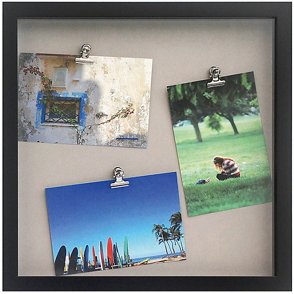 Фоторамка комбинированная чернаяДетские предметы интерьера<br>Характеристики:<br><br>• Предназначение: для оформления фотографий, вышивок, картин<br>• Пол: универсальный<br>• Материал: пластик, оргстекло, металл<br>• Цвет: черный<br>• Комплектация: рамка с 3-мя металлическими зажимами<br>• Размеры (Ш*Д*В): 45,8*45,8*3 см<br>• Вес в упаковке: 1 кг 160 г <br>• Упаковка: картонная коробка<br><br>Фоторамка комбинированная черная – это пластиковая фоторамка с подложкой от торговой марки Белоснежка, специализирующейся на товарах для творчества и рукоделия. Изделие изготовлено в виде рамки с тремя металлическими зажимами, благодаря которым можно легко комбинировать и группировать разные фотографии внутри самой рамки. С такой фоторамкой можно создать семейную историю из любимых фотографий или использовать ее для оформления вышивок, картин. Она имеет подвесное крепление, поэтому с помощью этой фоторамки можно оформить интерьер. Комбинированная фоторамка выполнена в классическом черном цвете, поэтому она может придать интерьеру экстравагантность и стиль. <br><br>Фоторамку комбинированную черную можно купить в нашем интернет-магазине.<br><br>Ширина мм: 330<br>Глубина мм: 330<br>Высота мм: 30<br>Вес г: 5790<br>Возраст от месяцев: 72<br>Возраст до месяцев: 144<br>Пол: Унисекс<br>Возраст: Детский<br>SKU: 5089798