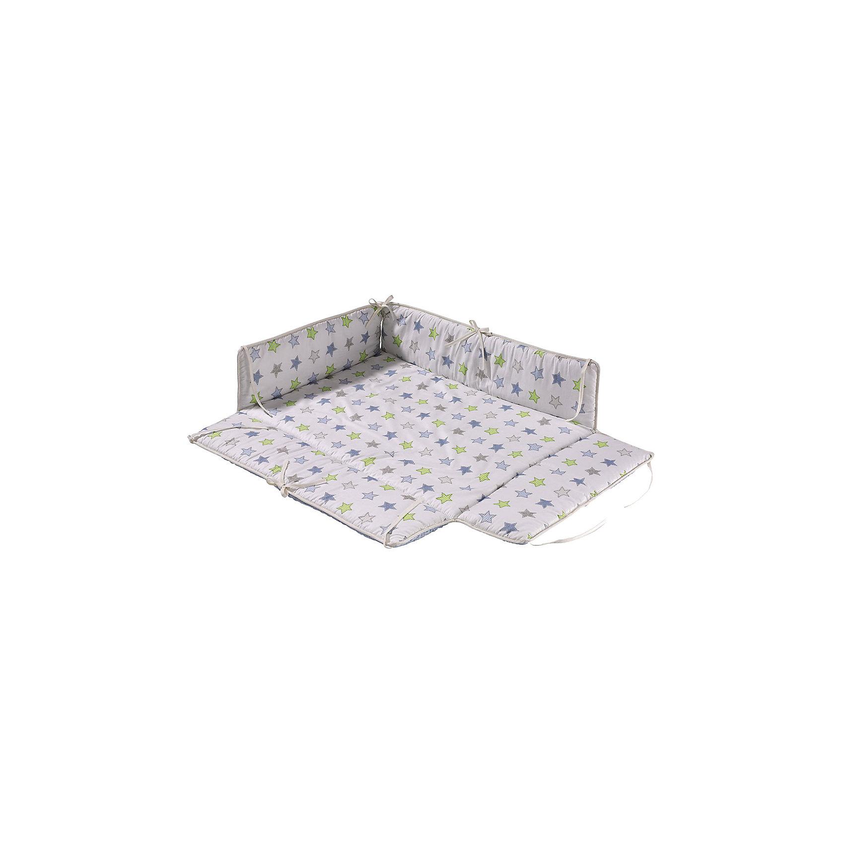 Бампер для манежа AMELI, GeutherПостельное бельё<br>Бампер для манежа AMELI, Geuther<br><br>Характеристики:<br>- Материал: хлопок<br>- Наполнитель: полиэстер<br>- Машинная стирка: доступна<br>- Размер: 102 * 5 * 94,5 см.<br>- Вес: 1 кг.<br>Бампер для манежа AMELI от немецкого бренда, Geuther (Гётер) станет отличным дополнением к вашему манежу, обеспечит мягкость и уют малыша во время игры и сна, а также защитит от сквозняков. Симпатичный дизайн со звездами подойдет как мальчикам, так и девочкам. Нейтральный фон будет хорошо смотреться в любом интерьере комнаты ребенка. Созданный специально для манежа Ameli (Амели), бампер идеально заполняет всю поверхность и фиксируется надежными завязками. Отличное немецкое качество бампера обеспечит необходимую заботу о крохе.<br><br>Бампер для манежа AMELI, Geuther (Гётер) можно купить в нашем интернет-магазине.<br>Подробнее:<br>• Для детей в возрасте: от 0 до 24 месяцев <br>• Номер товара: 5089867<br>Страна производитель: Германия<br><br>Ширина мм: 200<br>Глубина мм: 1060<br>Высота мм: 900<br>Вес г: 1400<br>Возраст от месяцев: 0<br>Возраст до месяцев: 24<br>Пол: Унисекс<br>Возраст: Детский<br>SKU: 5089867