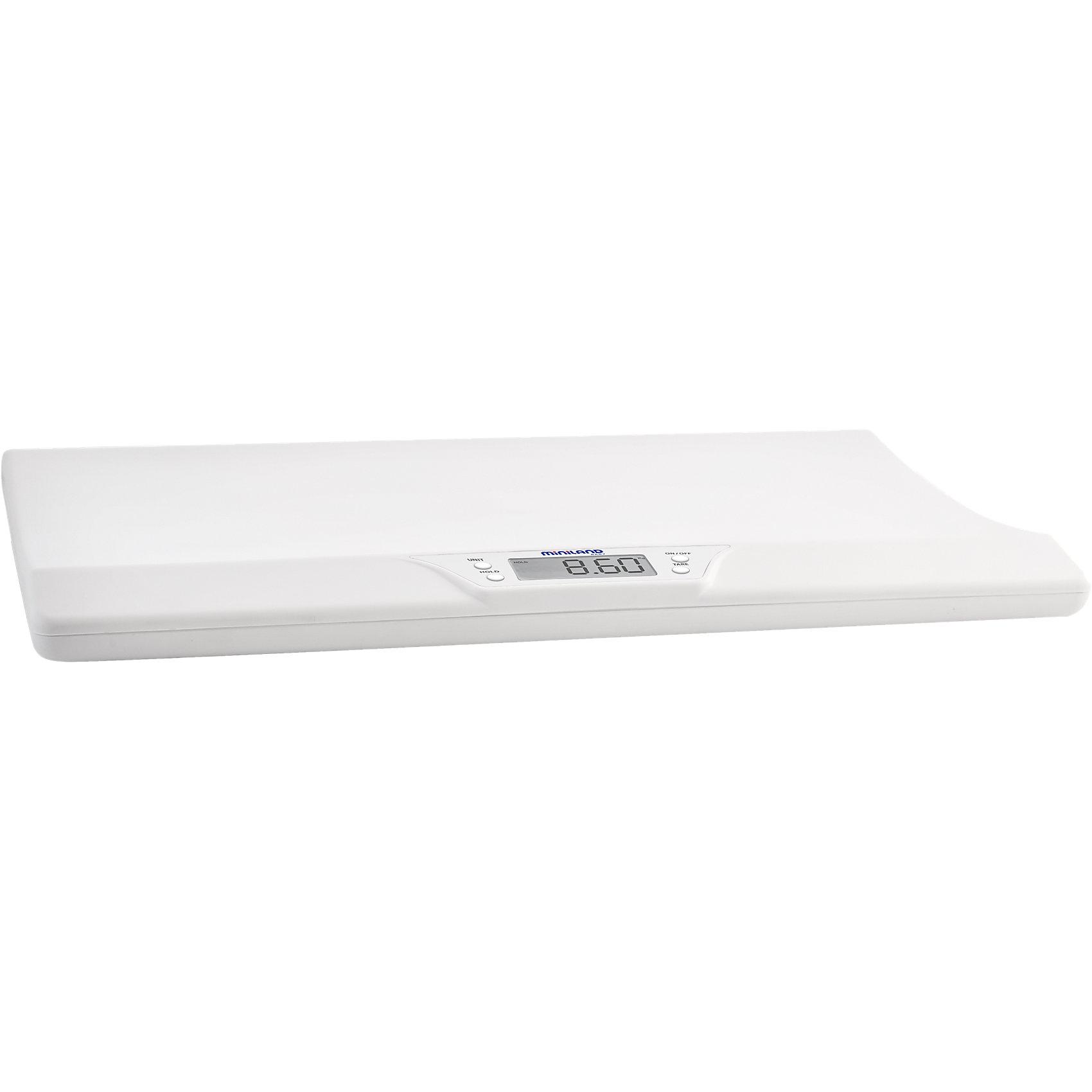Электронные весы EMYSCALE, MinilandДетская бытовая техника<br>Электронные весы EMYSCALE, Miniland (Минилэнд).<br><br>Характеристики:<br><br>• удобный электронный дисплей<br>• сохранение последнего взвешивания<br>• подходит даже для активных детей<br>• максимальная нагрузка: 20 кг<br>• индикатор при превышении допустимого веса<br>• автоматическое отключение<br>• индикатор необходимости замены батареек<br>• материал: пластик<br>• вес: 2 кг<br><br>Электронные весы EMYSCALE, Miniland предназначены для взвешивания детей весом до 20 кг. В случае превышения допустимого веса, весы оповестят вас. Удобные бортики по краям защитят малыша от падения. Использовать весы можно даже если ребенок шевелится, что будет особенно удобно для родителей активных детей. С помощью приложения на смартфоне вы можете следить за графиком веса малыша.<br><br>Электронные весы EMYSCALE, Miniland (Минилэнд) вы можете купить в нашем интернет-магазине.<br><br>Ширина мм: 584<br>Глубина мм: 383<br>Высота мм: 71<br>Вес г: 2036<br>Цвет: белый<br>Возраст от месяцев: 0<br>Возраст до месяцев: 36<br>Пол: Унисекс<br>Возраст: Детский<br>SKU: 5089914