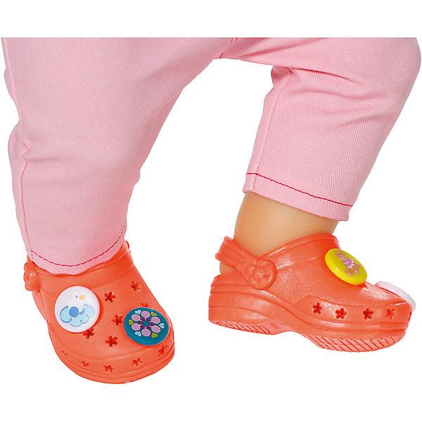 Сандали фантазийные, оранжевые, BABY bornОдежда для кукол<br>Характеристики товара:<br><br>- цвет: оранжевый;<br>- материал: полиуретан;<br>- наличие застежки;<br>- возраст: от трех лет.<br><br>Кукольная обувь – мечта всех девочек, обожающих играть в дочки-матери! Куклы Бэби Борн – абсолютные фавориты среди детских игрушек. Одно из преимуществ моделей – возможность переодевать куклу на свое усмотрение. Фантазийные сандали – интересный и необычный аксессуар, который представлен в новой коллекции одежды для куклы Бэби борн. Сандали можно украшать забавными элементами, закрепляя их в специальных дырочках. Материалы, использованные при изготовлении изделия, абсолютно безопасны и полностью отвечают международным требованиям по качеству детских товаров.<br><br>Сандали фантазийные, оранжевые, BABY born можно купить в нашем интернет-магазине.<br><br>Ширина мм: 178<br>Глубина мм: 129<br>Высота мм: 40<br>Вес г: 84<br>Возраст от месяцев: 36<br>Возраст до месяцев: 2147483647<br>Пол: Женский<br>Возраст: Детский<br>SKU: 5094035