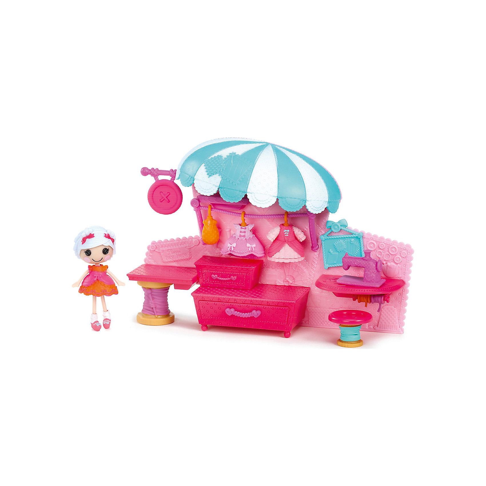 Набор Ателье с интерьером, ЛалалупсиХарактеристики товара:<br><br>- цвет: разноцветный;<br>- материал: пластик;<br>- подвижные части тела;<br>- комплектация: кукла, аксессуары, декорации;<br>- размер упаковки: 6x30x20 см.<br><br>Эти симпатичные куклы Мини-Лалалупси от известного бренда не оставят девочку равнодушной! Какая девочка сможет отказаться поиграть с куклами, которых можно переодевать и менять им прически благодаря набору аксессуаров?! В комплект входят наряды и декорации для игр с куклой. Игрушка очень качественно выполнена, поэтому она станет замечательным подарком ребенку. <br>Продается набор в красивой удобной упаковке. Изделие произведено из высококачественного материала, безопасного для детей.<br><br>Набор Ателье с интерьером, Лалалупси, можно купить в нашем интернет-магазине.<br><br>Ширина мм: 300<br>Глубина мм: 210<br>Высота мм: 70<br>Вес г: 500<br>Возраст от месяцев: 36<br>Возраст до месяцев: 2147483647<br>Пол: Женский<br>Возраст: Детский<br>SKU: 5094054