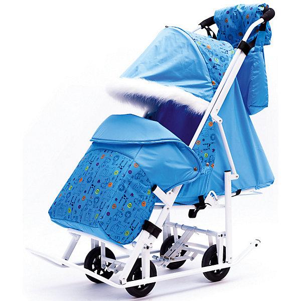Санки-коляска ABC Academy Зимняя Сказка 5М Люкс, белая рама, голубой/зоопаркС колесиками<br>Санки-коляска Зимняя Сказка 5М Люкс, ABC Academy.<br><br>Красивые нарядные санки-коляска Зимняя Сказка 5М Люкс - это хит продаж. Родители выбирают эти санки за наличие больших выкатных колес, перекидной ручки и аксессуаров для мамы.<br><br>Приятные особенности санок: <br><br>• полозья дополнены большими выкатными колесами;<br>• перекидная ручка коляски с мягкой накладкой;<br>• регулируемый наклон спинки: 3 положения вплоть до горизонтального;<br>• имеется подножка;<br>• регулируемый и очень большой капюшон с меховой отделкой;<br>• наличие 5-ти точечных ремней безопасности;<br>• тип складывания: книжка;<br>• материал: горнолыжная ткань Dewspo;<br>• габариты(Д x Ш x В), мм: 1200 x 420 x 290<br>• вес санок-коляски: 11,2 кг.<br><br>В санках используется ткань Dewspo - отлично зарекомендовавшая себя ткань для пошива горнолыжной верхней одежды. Мех, который оживляет и очень украшает санки - искуственный, он быстро высыхает и прост в уходе. <br><br>Санки-коляски - это удобное транспортное средство для зимних прогулок с малышом, возраст которого находится в пределах от 8 месяцев до 4-х лет Ручка коляски цельная, обшита мягким неопреном. Перекидная ручка коляски позволяет менять направление движения, защищая ребенка от снега и холодного ветра. <br><br>Коляска с полозьями компактно складывается по типу книжки. Дополнительные аксессуары предусмотрены для создания благоприятных условий для малыша на прогулке: утепленный чехол укутывает ножки малыша и доходит почти по пояса крохи. Для мамы в комплекте имеется сумка и муфта.<br><br>Комплектация:<br><br>• санки-коляска «Зимняя Сказка»;<br>• утепленный чехол на ножки с бортом, пристегивается кнопками к раме коляски;<br>• сумка для мамы;<br>• муфта для мамы;<br><br>Ширина мм: 1200<br>Глубина мм: 440<br>Высота мм: 320<br>Вес г: 11200<br>Возраст от месяцев: 12<br>Возраст до месяцев: 48<br>Пол: Унисекс<br>Возраст: Детский<br>SKU: 5101455