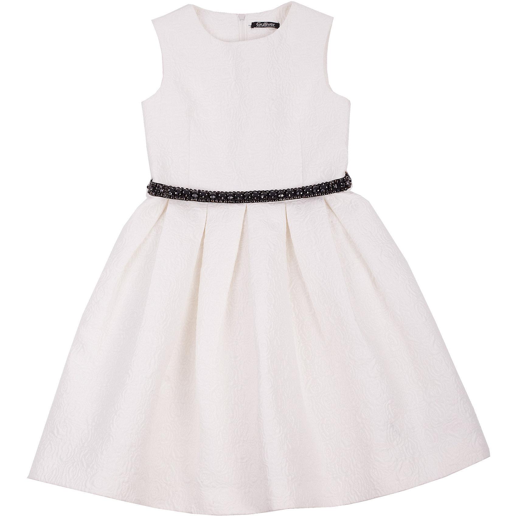 Нарядное платье для девочки GulliverОдежда<br>Платье для девочки от известного бренда Gulliver.<br>Какими должны быть нарядные платья 2016/2017? Разными! Кто-то предпочитает купить платье  - пышную модель как у настоящей принцессы, но кто-то выбирает стильные лаконичные решения с изюминкой и загадкой. Нежное молочное платье из благородного жаккардового полотна - идеальный вариант для тех, кто ценит изящество и элегантность. Черный пояс, расшитый стразами подчеркнет торжественность момента.<br>Состав:<br>верх: 100% полиэстер; подкладка: 100% хлопок<br><br>Ширина мм: 236<br>Глубина мм: 16<br>Высота мм: 184<br>Вес г: 177<br>Цвет: белый<br>Возраст от месяцев: 108<br>Возраст до месяцев: 120<br>Пол: Женский<br>Возраст: Детский<br>Размер: 140,134,122,128<br>SKU: 5103494