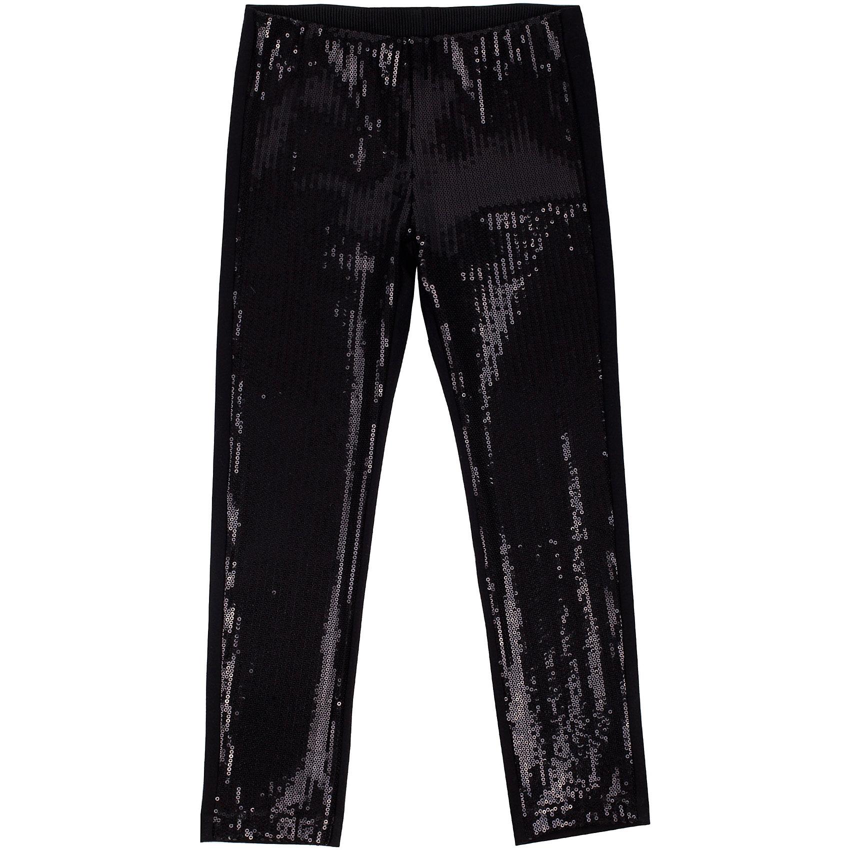 Брюки для девочки GulliverЛеггинсы<br>Брюки для девочки от известного бренда Gulliver.<br>Модные брюки, передняя часть которых расшита сияющими пайетками - мечта каждой модницы! Они прекрасно дополняют любой светлый топ или блузку, делая образ ярким и даже экстравагантным. Если ваш ребенок любому платью предпочтет брючный комплект, вам стоит купить черные брюки с блестящими пайетками. Брюки создадут праздничное настроение и сделают нарядный образ ребенка интересным и привлекательным.<br>Состав:<br>верх: 100% полиэстер/ 24% вискоза 72% полиэстер 4% эластан; подкладка: 95% хлопок 5% эластан<br><br>Ширина мм: 215<br>Глубина мм: 88<br>Высота мм: 191<br>Вес г: 336<br>Цвет: черный<br>Возраст от месяцев: 24<br>Возраст до месяцев: 36<br>Пол: Женский<br>Возраст: Детский<br>Размер: 98,104,110,116<br>SKU: 5103509