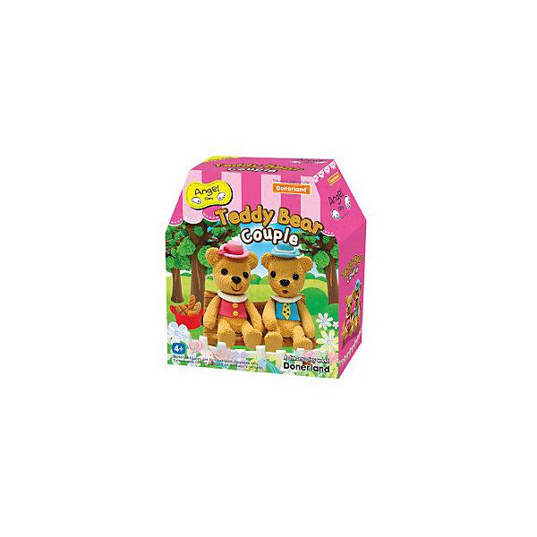 Набор для творчества Мишка Тедди, Angel ClayНаборы полимерной глины<br>Набор для творчества Мишка Тедди, Angel Clay(Энджел Клей).<br><br>Харкатеристики:<br><br>• Материал: полимеры, целлюлоза, добавки, вода.<br>• Размер упаковки: 14х15х6 см.<br>• Вес: 0.3 кг. <br><br>Глина для детского творчества « Мишка Тедди» помогает развить творческие способности вашего ребенка. Мягкая глина напоминает пластилин, но она имеет ряд преимуществ: легко принимает нужную форму, не прилипает к рукам и одежде, не оставляет пятен. Ребенок с радостью будет развивать свою фантазию во время процесса лепки. Лепка игрушек из глины снимает напряжение, а также развивает мелкую моторику. Можно лепить животных, сказочных героев, тарелочки, кружки. Также в наборе имеются специальные принадлежности для декорирования. В комплекте: - глина;- инструменты для лепки;- декоративные элементы. <br><br>Набор для творчества Мишка Тедди, Angel Clay(Энджел Клей), можно купить в нашем интернет – магазине.<br><br>Ширина мм: 135<br>Глубина мм: 150<br>Высота мм: 55<br>Вес г: 150<br>Возраст от месяцев: 36<br>Возраст до месяцев: 2147483647<br>Пол: Женский<br>Возраст: Детский<br>SKU: 5104603