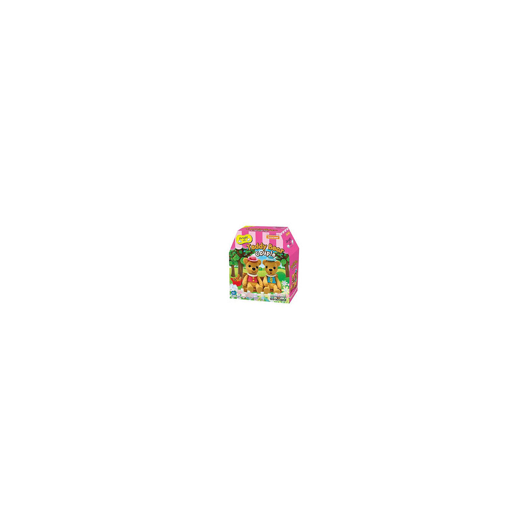 Набор для творчества Мишка Тедди, Angel ClayНабор для творчества Мишка Тедди, Angel Clay(Энджел Клей).<br><br>Харкатеристики:<br><br>• Материал: полимеры, целлюлоза, добавки, вода.<br>• Размер упаковки: 14х15х6 см.<br>• Вес: 0.3 кг. <br><br>Глина для детского творчества « Мишка Тедди» помогает развить творческие способности вашего ребенка. Мягкая глина напоминает пластилин, но она имеет ряд преимуществ: легко принимает нужную форму, не прилипает к рукам и одежде, не оставляет пятен. Ребенок с радостью будет развивать свою фантазию во время процесса лепки. Лепка игрушек из глины снимает напряжение, а также развивает мелкую моторику. Можно лепить животных, сказочных героев, тарелочки, кружки. Также в наборе имеются специальные принадлежности для декорирования. В комплекте: - глина;- инструменты для лепки;- декоративные элементы. <br><br>Набор для творчества Мишка Тедди, Angel Clay(Энджел Клей), можно купить в нашем интернет – магазине.<br><br>Ширина мм: 135<br>Глубина мм: 150<br>Высота мм: 55<br>Вес г: 150<br>Возраст от месяцев: 36<br>Возраст до месяцев: 2147483647<br>Пол: Женский<br>Возраст: Детский<br>SKU: 5104603