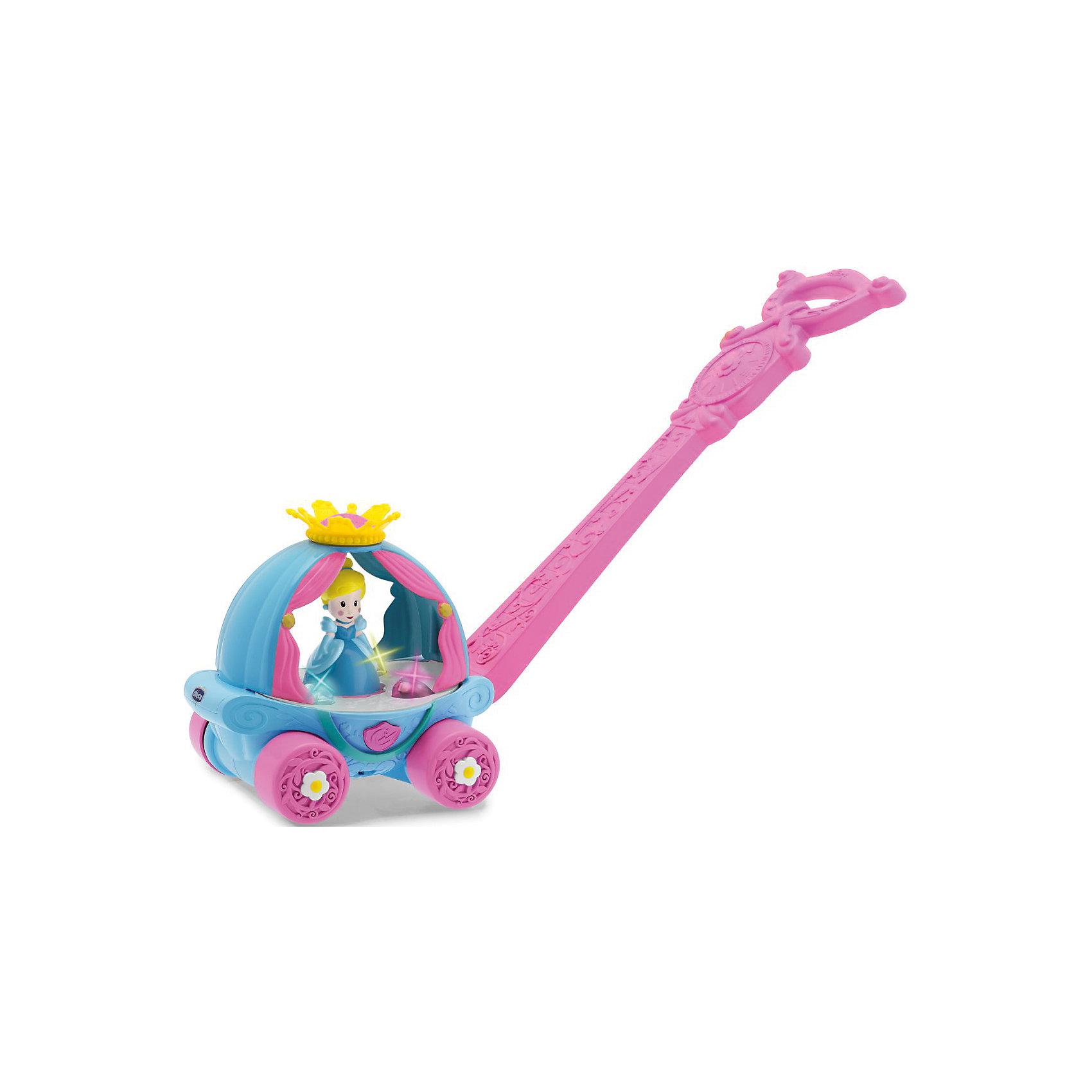 Игрушка Волшебная Карета Золушки, ChiccoИгрушки-каталки<br>Chicco представляет новую игрушку «Волшебная карета Золушки», которая стимулирует вашего ребенка делать как можно больше шажков, благодаря световым эффектам и мелодиям, которые активируются, когда малышка начинает толкать карету.<br>Как только ваша малышка толкнет карету, огоньки засияют, а Золушка начнет кружиться в танце под чарующую мелодию. Декорированную ручку кареты можно регулировать по высоте. А еще ее можно снять – и продолжить играть с каретой на колесиках. Игрушку без ручки можно использовать, даже когда ребенок подрастет.<br><br>Ширина мм: 215<br>Глубина мм: 185<br>Высота мм: 423<br>Вес г: 783<br>Возраст от месяцев: 12<br>Возраст до месяцев: 36<br>Пол: Женский<br>Возраст: Детский<br>SKU: 5105201