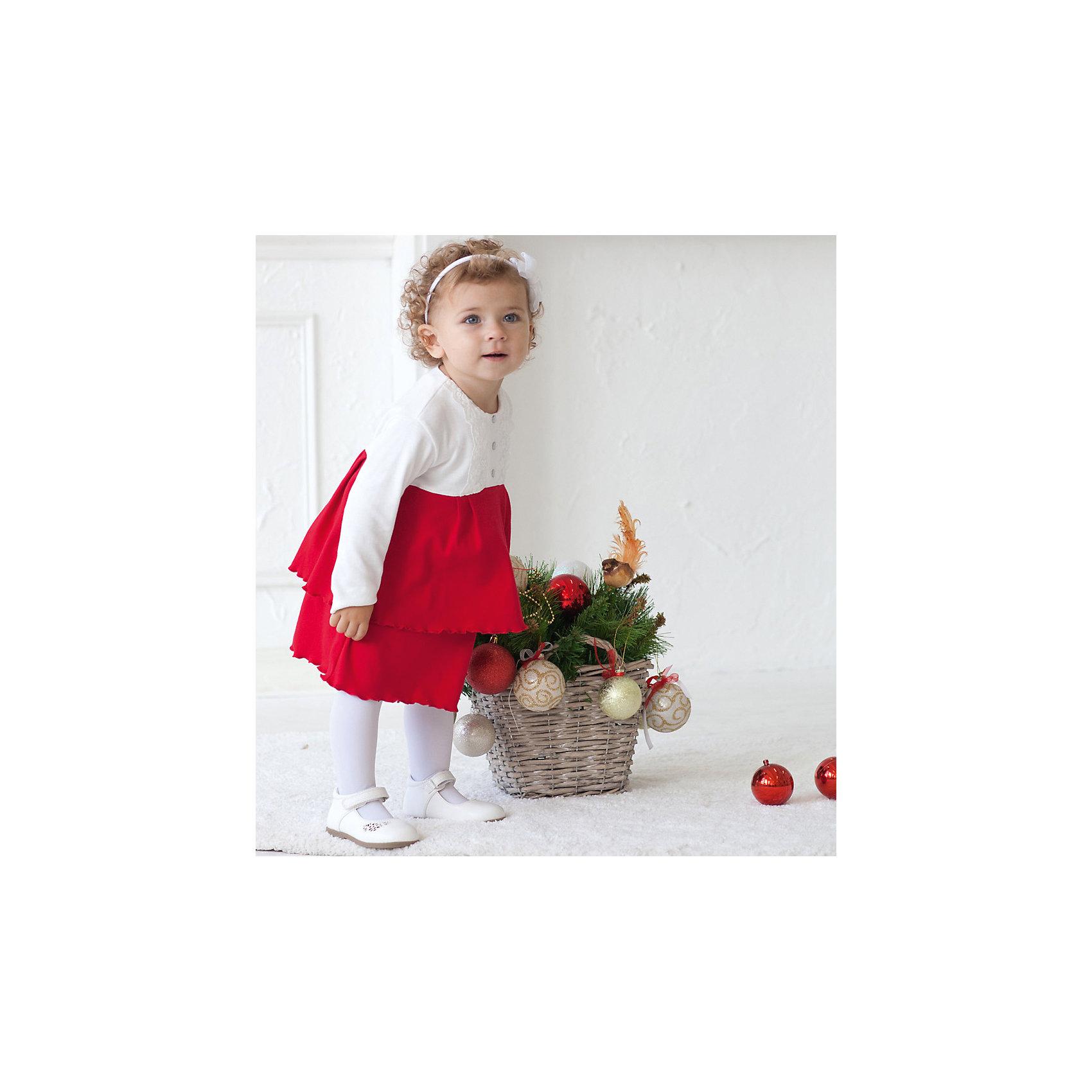Боди-платье для девочки МАМУЛЯНДИЯБоди<br>Боди-платье для девочки МАМУЛЯНДИЯ<br>Боди-платье из дизайнерской коллекции для девочек Леди и джентльмены, выполнено из трикотажного полотна высшего качества (интерлок пенье).  Декорировано кружевом. Удобное расположение кнопок для переодевания малыша или смены подгузника. Кнопки из гипоаллергенного сплава без содержания никеля.  Стирать при температуре 40, носить с удовольствием.<br>Состав:<br>100% хлопок<br><br>Ширина мм: 157<br>Глубина мм: 13<br>Высота мм: 119<br>Вес г: 200<br>Цвет: красный<br>Возраст от месяцев: 3<br>Возраст до месяцев: 6<br>Пол: Женский<br>Возраст: Детский<br>Размер: 68,86,62,74,80<br>SKU: 5108824