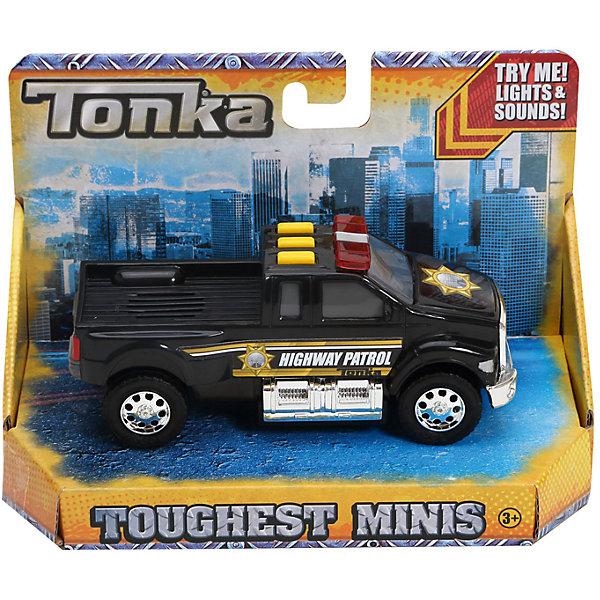 Полицейская машинка Minis, со светом и звуком, TonkaМашинки<br>Полицейская машинка Minis, со светом и звуком, Tonka<br><br>В набор входит:<br><br>-машинка<br>-две батарейки типа ААА<br><br>Характеристики:<br><br>-Возраст: от 3 лет<br>-Для мальчиков<br>-Размер машинки:13,5 х 5,2 х 5,5 см<br>-Материал: пластик<br>-Марка: Tonka(Тонка)<br><br>Полицейская машинка Tonka Minis станет отличным подарком вашему ребёнку. Стильный черный корпус автомобиля с желтыми полосками и полицейским значком на капоте надолго увлечет вашего ребенка в игру. Мощные черные колеса имеют серебристые диски. На крыше машинке есть три прямоугольные желтые кнопки, при нажатии на которые загораются проблесковые маячки и воспроизводятся различные звуковые эффекты. <br><br>Полицейская машинка Minis, со светом и звуком, Tonka можно приобрести в нашем интернет-магазине.<br><br>Ширина мм: 89<br>Глубина мм: 178<br>Высота мм: 127<br>Вес г: 190<br>Возраст от месяцев: 36<br>Возраст до месяцев: 120<br>Пол: Мужской<br>Возраст: Детский<br>SKU: 5115725