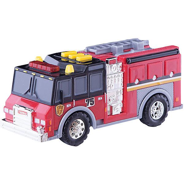 Пожарная машинка Minis, со светом и звуком, TonkaМашинки<br>Пожарная машинка Minis, со светом и звуком, Tonka<br><br>В набор входит:<br><br>-машинка<br>-две батарейки типа ААА<br><br>Характеристики:<br><br>-Возраст: от 3 лет<br>-Для мальчиков<br>-Размер машинки:16,5 х 5,5 х 7 см<br>-Материал: пластик<br>-Марка: Tonka(Тонка)<br><br>Пожарная машинка Tonka Minis имеет очень яркий и интересный дизайн. Ее корпус выполнен в красном, сером и черном цветах, также присутствуют серебристые вставки. На автомобиле очень реалистично прорисованы дверцы и окна. Колеса машинки имеют блестящие серебристые диски. На крыше кабины имеются три желтые кнопки, а также красный проблесковый маячок. Нажав на любую из кнопок, машинка начнет издавать звуки сирены, а также замигают красные лампочки. <br><br>Пожарная машинка Minis, со светом и звуком, Tonka можно приобрести в нашем интернет-магазине.<br>Ширина мм: 89; Глубина мм: 178; Высота мм: 127; Вес г: 190; Возраст от месяцев: 36; Возраст до месяцев: 120; Пол: Мужской; Возраст: Детский; SKU: 5115727;