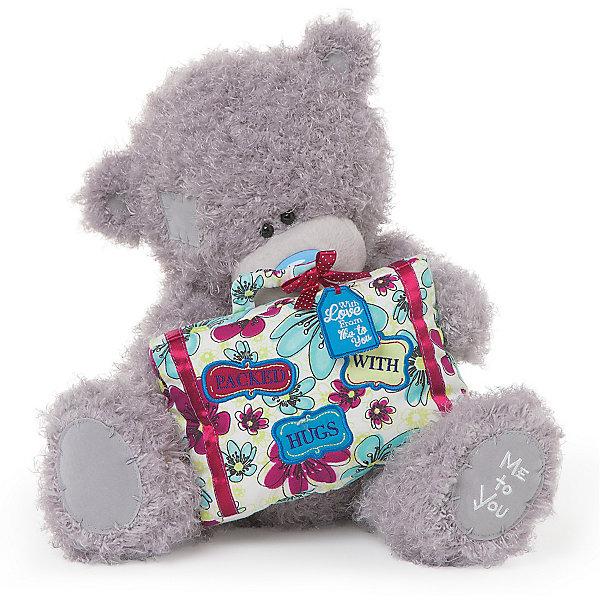 Мишка, 30 см, Me to YouМягкие игрушки животные<br>Мишка, 30 см, Me to You.<br><br>Характеристики:<br><br>- Размер: 30 см.<br>- Материал: искусственный мех, текстиль<br><br>Симпатичный сидящий мишка Тедди с чемоданом, похожим на большую праздничную коробку станет приятным подарком любимому человеку или другу, который любит путешествовать. У мишки очаровательная мордочка, забавный голубой носик и черные как угольки глазки. Игрушка представляют собой оригинал фирмы Carte Blanche Greetings из Великобритании, что гарантирует применение экологически чистых и безопасных материалов. Теддик не выгорает на солнце, а искусственный мех не вызывает аллергию.<br><br>Мишку, 30 см, Me to You можно купить в нашем интернет-магазине.<br><br>Ширина мм: 100<br>Глубина мм: 70<br>Высота мм: 300<br>Вес г: 230<br>Возраст от месяцев: 36<br>Возраст до месяцев: 2147483647<br>Пол: Женский<br>Возраст: Детский<br>SKU: 5119993