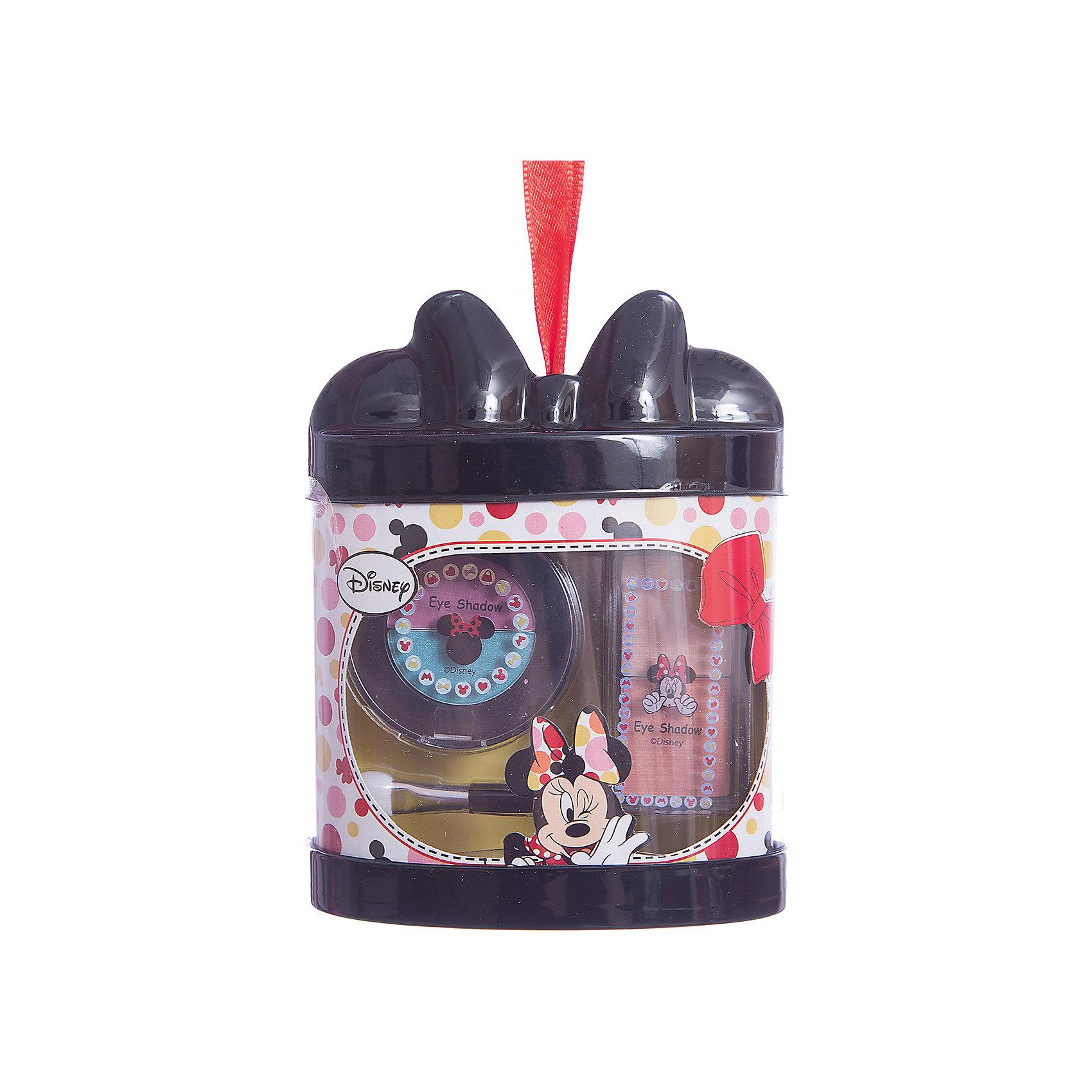 Набор детской косметики Minnie - Тени для векХарактеристики:<br><br>• Наименование: детская декоративная косметика<br>• Предназначение: для сюжетно-ролевых игр<br>• Серия: Микки Маус и его друзья<br>• Пол: для девочки<br>• Материал: натуральные косметические компоненты, пластик, картон<br>• Комплектация: 4 оттенка теней для век, аппликатор<br>• Размеры (Д*Ш*В): 12*9*7 см<br>• Вес: 55 г <br>• Упаковка: картонная коробка с блистером<br><br>Игровой набор детской декоративной косметики для глаз, Минни Маус – это набор игровой детской косметики от Markwins, которая вот уже несколько десятилетий специализируется на выпуске детской косметики. Рецептура декоративной детской косметики разработана совместно с косметологами и медиками, в основе рецептуры – водная основа, а потому она гипоаллергенны, не вызывает раздражений на детской коже и легко смывается, не оставляя следа. Безопасность продукции подтверждена международными сертификатами качества и безопасности. <br>Игровой набор детской декоративной косметики состоит из 2 оттенков теней бежевого цвета, одного бирюзового и одного розового. В наборе предусмотрен аппликатор, с помощью которого удобно наносить тени на веки. Косметические средства, входящие в состав набора, имеют длительный срок хранения – 12 месяцев. Набор выполнен в брендовом дизайне популярной серии Микки Маус и его друзья. Игровой набор детской декоративной косметики от Markwins может стать незаменимым праздничным подарком для любой маленькой модницы!<br><br>Игровой набор детской декоративной косметики для глаз, Минни Маус можно купить в нашем интернет-магазине.<br><br>Ширина мм: 90<br>Глубина мм: 120<br>Высота мм: 50<br>Вес г: 78<br>Возраст от месяцев: 48<br>Возраст до месяцев: 120<br>Пол: Женский<br>Возраст: Детский<br>SKU: 5124713