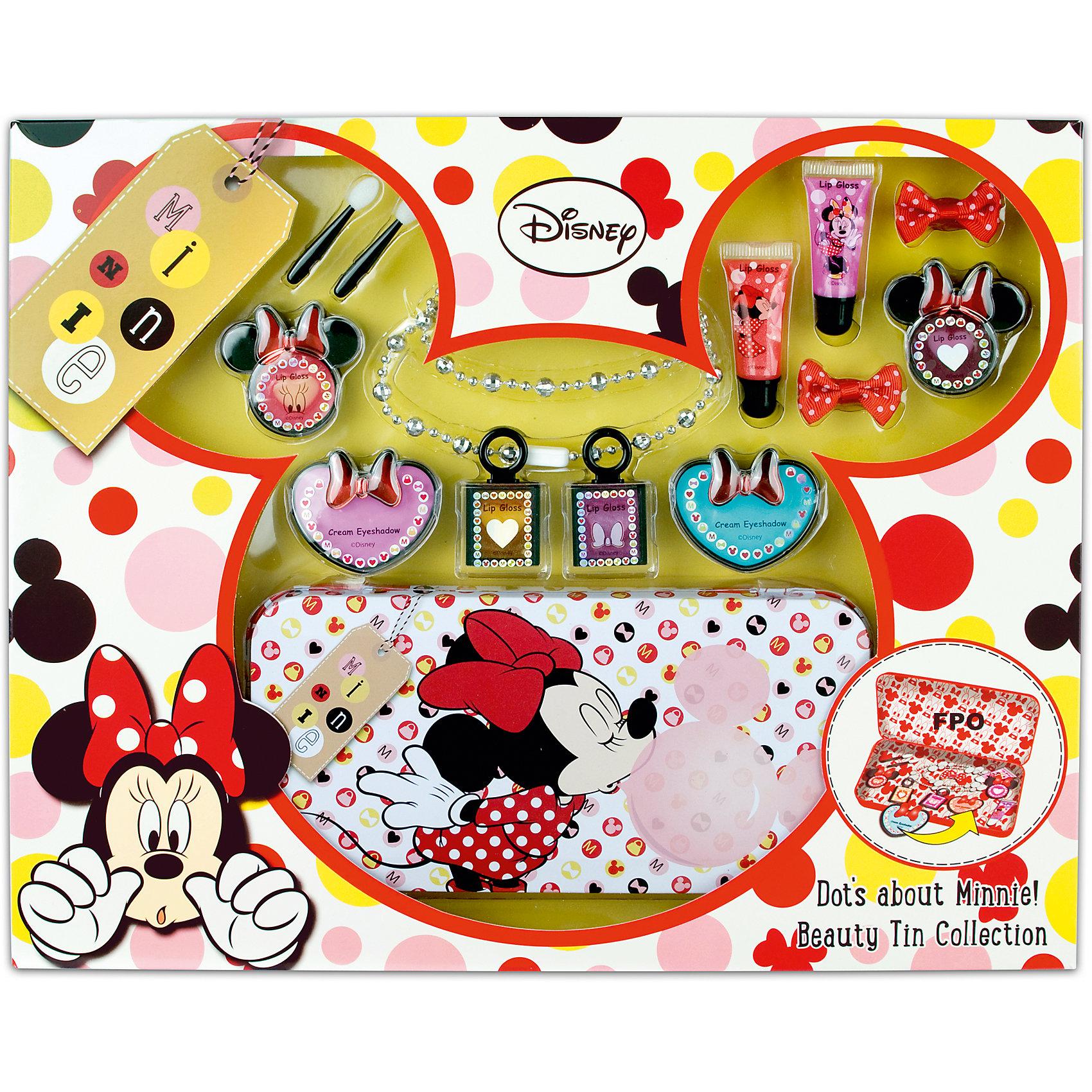 Набор детской декоративной косметики в пенале MinnieМинни Маус<br>Характеристики:<br><br>• Наименование: детская декоративная косметика<br>• Предназначение: для сюжетно-ролевых игр<br>• Серия: Микки Маус и его друзья<br>• Пол: для девочки<br>• Материал: натуральные косметические компоненты, пластик, картон, металл<br>• Цвет: розовый, бежевый, сиреневый, бирюзовый, оранжевый и др.<br>• Комплектация: 8 оттенков блеска для губ в баночках, 2 блеска для губ в тубах, 2 оттенка теней для век в баночках, 2 аппликатора, 2 резинки для волос, цепочка, жестяной пенал<br>• Размеры (Д*Ш*В): 39*32*4,5 см<br>• Вес: 425 г <br>• Упаковка: картонная коробка с блистером<br><br>Игровой набор детской декоративной косметики с пеналом, Минни Маус – это набор игровой детской косметики от Markwins, которая вот уже несколько десятилетий специализируется на выпуске детской косметики. Рецептура декоративной детской косметики разработана совместно с косметологами и медиками, в основе рецептуры – водная основа, а потому она гипоаллергенны, не вызывает раздражений на детской коже и легко смывается, не оставляя следа. Безопасность продукции подтверждена международными сертификатами качества и безопасности. <br>Игровой набор детской декоративной косметики состоит из палитры блеска для губ, палитры кремовых теней, аксессуаров для нанесения макияжа и бижутерии. В комплекте предусмотрен жестяной компактный пенал яркого дизайна. Косметические средства, входящие в состав набора, имеют длительный срок хранения – 12 месяцев. Набор выполнен в брендовом дизайне популярной серии Микки Маус и его друзья. Игровой набор детской декоративной косметики от Markwins может стать незаменимым праздничным подарком для любой маленькой модницы!<br><br>Игровой набор детской декоративной косметики с пеналом, Минни Маус можно купить в нашем интернет-магазине.<br><br>Ширина мм: 390<br>Глубина мм: 320<br>Высота мм: 40<br>Вес г: 501<br>Возраст от месяцев: 48<br>Возраст до месяцев: 120<br>Пол: Женский<br>Возраст: Детский<br>SKU: