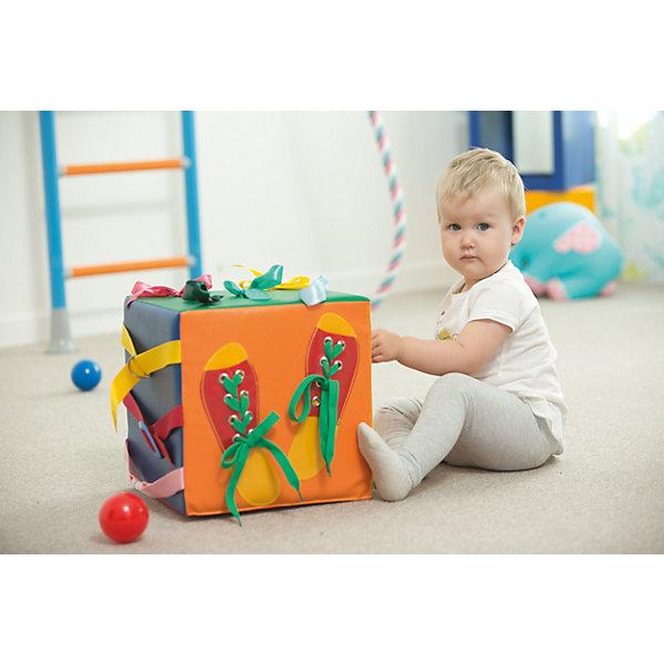 Развивающий кубик Умные ладошки, ROMANAРазвивающие центры<br>Развивающий кубик Умные ладошки, ROMANA<br><br>Характеристики:<br><br>• Размер: 30х30х30 см<br>• Допустимая нагрузка: 50 кг<br>• Материал: поролон, кожзам<br><br>Это непросто игрушка для занятий – это целый игровой комплекс в виде кубика. Каждая сторона – это отдельный образовательный элемент. Такой кубик поможет ребенку развить моторику, логику, координацию движения, мышление и многое другое. Кубик не тяжелый и ребенок сможет самостоятельно переносить его или двигать.<br><br>Развивающий кубик Умные ладошки, ROMANA можно купить в нашем интернет-магазине.<br><br>Ширина мм: 300<br>Глубина мм: 300<br>Высота мм: 300<br>Вес г: 1500<br>Возраст от месяцев: 216<br>Возраст до месяцев: 36<br>Пол: Унисекс<br>Возраст: Детский<br>SKU: 5129363