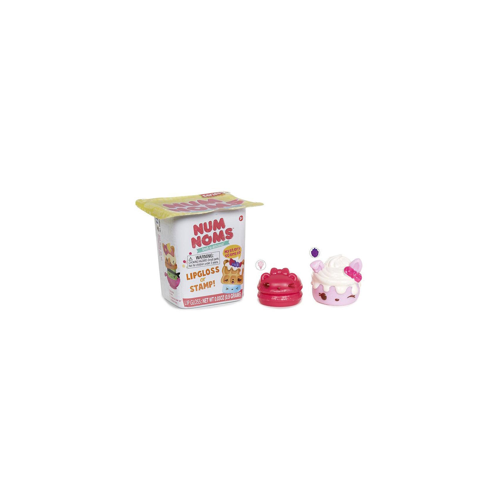 Блеск для губ-штамп с ароматом, в ассортименте, Num NomsКосметика, грим и парфюмерия<br>Характеристики товара:<br><br>• упаковка: пластик<br>• возраст: 3+<br>• количество: 2 шт.<br>• страна производства: Китай<br><br>Подарок в виде игрушки приятен любому малышу. А подарок – сюрприз – вдвойне. Пластиковая коробочка скрывает содержимое, сохраняя интригу до последнего момента. Внутри находится ароматный блеск для губ и штамп для декора. Главные герои – персонажи известного мультфильма. Соберите всю модную коллекцию!комплектация: плакат со всеми фигурками.  Материалы, использованные при изготовлении товара, сертифицированы и отвечают всем международным требованиям по качеству. <br><br>Блеск для губ-штамп с ароматом, в ассортименте, Num Noms можно приобрести в нашем интернет-магазине.<br><br>Ширина мм: 69<br>Глубина мм: 78<br>Высота мм: 71<br>Вес г: 28<br>Возраст от месяцев: 36<br>Возраст до месяцев: 72<br>Пол: Женский<br>Возраст: Детский<br>SKU: 5133706