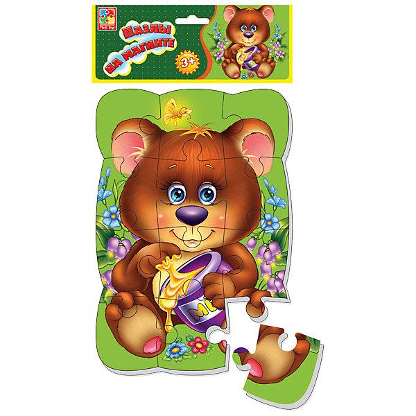Пазлы на магните Медвежонок, Vladi ToysПазлы для малышей<br>Характеристики:<br><br>• Вид игр: развивающие<br>• Серия: пазлы-магниты<br>• Пол: универсальный<br>• Материал: полимер, картон, магнит<br>• Цвет: коричневый, зеленый, желтый и др.<br>• Комплектация: 1 пазл из 12-ти элементов<br>• Размеры (Д*Ш*В): 18*4*30,5 см<br>• Тип упаковки: полиэтиленовый пакет с картонным клапаном <br>• Вес: 170 г<br><br>Пазлы на магните Медвежонок, Vladi Toys, производителем которых является компания, специализирующаяся на выпуске развивающих игр, давно уже стали популярными среди аналогичной продукции. Мягкие пазлы – идеальное решение для развивающих занятий с самыми маленькими детьми, так как они разделены на большие элементы с крупными изображениями, чаще всего в качестве картинок используются герои популярных мультсериалов. Самое важное в пазле для малышей – это минимум деталей и безопасность элементов. Все используемые в производстве материалы являются экологически безопасными, не вызывают аллергии, не имеют запаха. Пазлы на магните Медвежонок, Vladi Toys представляет собой сюжетную картинку, которая состоит из 12-и крупных элементов с изображением медвежонка с бочкой меда. <br>Занятия с мягкими пазлами от Vladi Toys способствуют развитию не только мелкой моторики, но и внимательности, усидчивости, терпению при достижении цели. Кроме того, по собранной картинке можно составлять рассказ, что позволит развивать речевые навыки, память и воображение.<br><br>Пазлы на магните Медвежонок, Vladi Toys можно купить в нашем интернет-магазине.<br>Ширина мм: 180; Глубина мм: 4; Высота мм: 305; Вес г: 170; Возраст от месяцев: 24; Возраст до месяцев: 60; Пол: Унисекс; Возраст: Детский; SKU: 5136085;