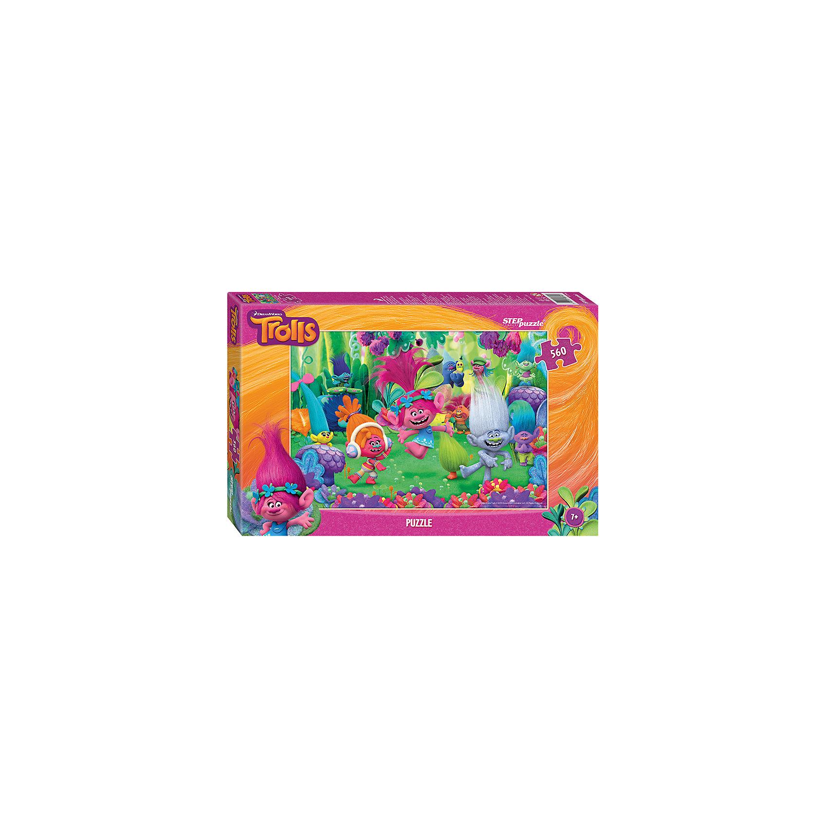 Пазл Тролли, 560 деталей, Step PuzzleТролли<br>Характеристики товара:<br><br>- цвет: разноцветный;<br>- материал: картон;<br>- размер деталей: 1,5?1,8 см;<br>- деталей: 560;<br>- высокая точность подгонки элементов;<br>- размер собранного изображения: 34,5?50 см;<br>- отличное качество печати;<br>- упаковка: коробка.<br><br>Собирать пазлы любят и дети, и взрослые! Это занятие может не только позволять весело проводить время, но и помогать всестороннему развитию ребенка. Изделие представляет собой детали, из которых нужно собрать очень красивую картинку. Все детали отлично проработаны, готовое изображение можно даже зафиксировать на бумаге и украсить им интерьер!<br>Собирание пазлов поможет формированию разных навыков, оно помогает развить тактильное восприятие, мелкую моторику, воображение, внимание и логику. Изделие произведено из качественных материалов, безопасных для ребенка. Набор станет отличным подарком детям!<br><br>Пазл Тролли, 560 деталей, от бренда Step Puzzle можно купить в нашем интернет-магазине.<br><br>Ширина мм: 335<br>Глубина мм: 215<br>Высота мм: 39<br>Вес г: 350<br>Возраст от месяцев: 36<br>Возраст до месяцев: 120<br>Пол: Унисекс<br>Возраст: Детский<br>SKU: 5138198