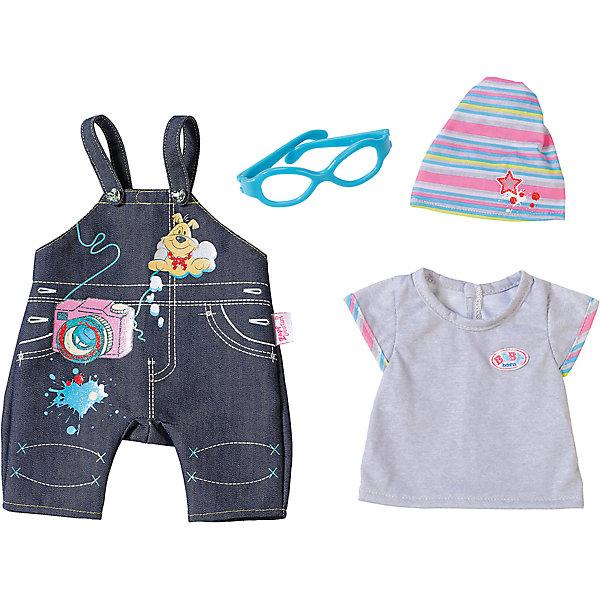 Одежда Джинсовая, BABY born, сераяОдежда для кукол<br>Характеристики товара:<br><br>- цвет: разноцветный;<br>- материал: тестиль;<br>- комплектация: футболка, комбинезон, шапка, очки;<br>- размер упаковки: 37х8х28 см.<br><br>Кукольная одежда – мечта всех девочек, обожающих играть в дочки-матери! Куклы Бэби Борн – абсолютные фавориты среди детских игрушек. Одно из преимуществ моделей – возможность переодевать куклу на свое усмотрение. Такой набор одежды – интересный и необычный вариант разнообразить игры с куклой. Комплект представлен в новой коллекции одежды для куклы Бэби борн. Вещи, футболка, комбинезон, шапка, очки, очень модно и нарядно смотрятся. Материалы, использованные при изготовлении изделия, абсолютно безопасны и полностью отвечают международным требованиям по качеству детских товаров.<br><br>Одежду Джинсовую, BABY born, можно купить в нашем интернет-магазине.<br>Ширина мм: 366; Глубина мм: 281; Высота мм: 81; Вес г: 284; Возраст от месяцев: 36; Возраст до месяцев: 2147483647; Пол: Женский; Возраст: Детский; SKU: 5140225;