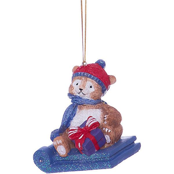 Украшение Мишка в санкахЁлочные игрушки<br>Характеристики товара:<br><br>• цвет: разноцветный<br>• материал: полирезина<br>• размер: 8.2 х 6.2 х 7.5 см<br>• комплектация: 1 шт<br>• подарочная модель<br>• с подвесом<br>• страна изготовитель: Китай<br><br>Новогодний праздник невозможен без ёлочных украшений. Этот мишка от бренда Феникс-Презент станет отличным подарком близким, друзьям или сотрудникам и украсит помещение в новогодние дни! Он отлично смотрится на ёлке и в интерьере.<br>Такие небольшие детали и создают полную праздничную картину наравне с <br>ёлкой и мишурой! Этот мишка будет создавать праздничное настроение не один год! Изделие производится из качественных и проверенных материалов, которые безопасны для детей.<br><br>Новогоднее подвесное украшение Мишка в санках от бренда Феникс-Презент можно купить в нашем интернет-магазине.<br>Ширина мм: 80; Глубина мм: 70; Высота мм: 90; Вес г: 97; Возраст от месяцев: 60; Возраст до месяцев: 600; Пол: Унисекс; Возраст: Детский; SKU: 5144729;