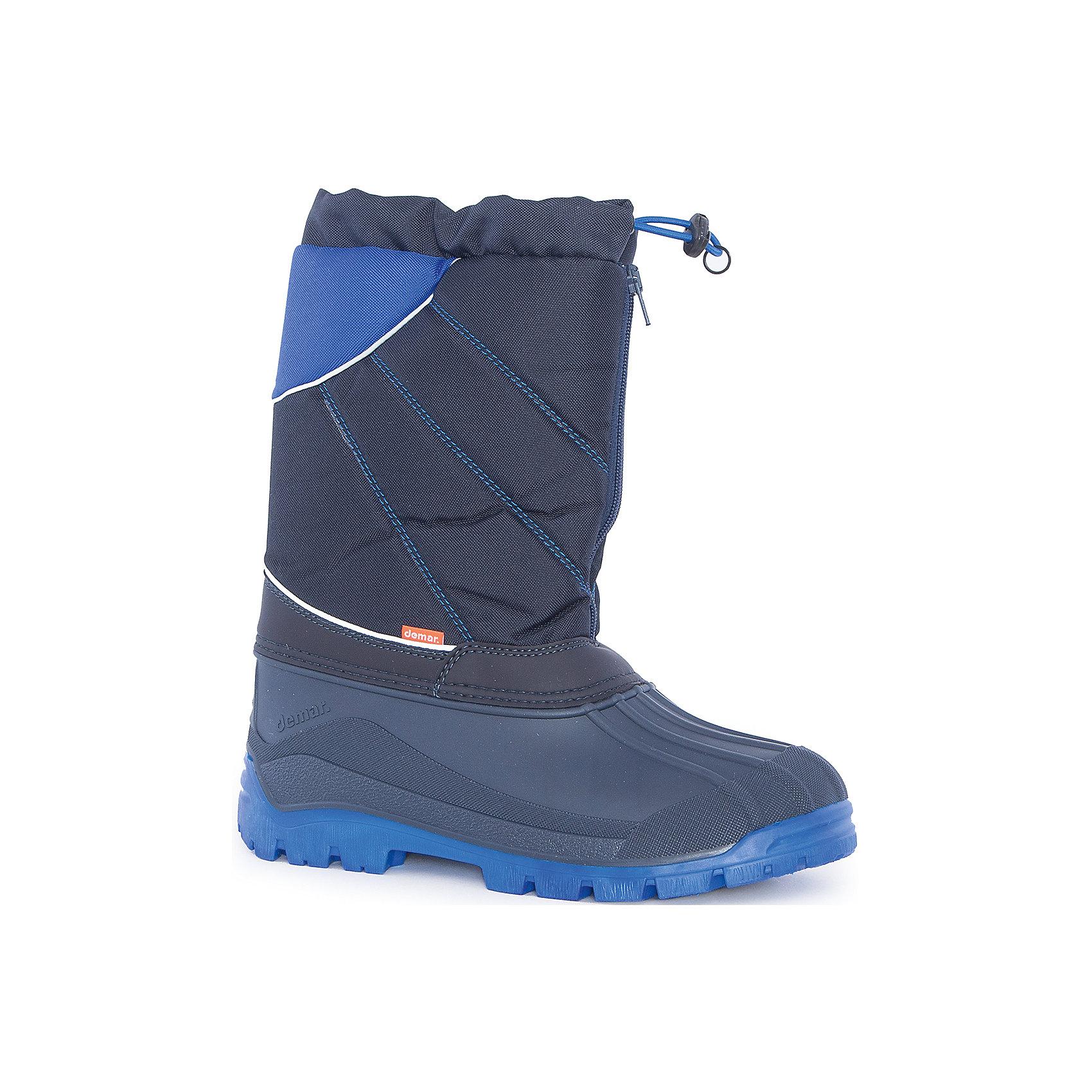 Сноубутсы Nico-M для мальчика DEMARСноубутсы<br>Характеристики товара:<br><br>• цвет: черный, синий<br>• материал верха: текстиль<br>• материал подкладки: 100% натуральная шерсть <br>• материал подошвы: ТЭП<br>• температурный режим: от -25° до 0° С<br>• верх не продувается, пропитка от грязи и влаги<br>• анискользящая подошва<br>• молния<br>• усиленные пятка и носок<br>• страна бренда: Польша<br>• страна изготовитель: Польша<br><br>Зима - это время катания с горок, игр в снежки, лепки снеговиков и прогулок в снегопад! Чтобы не пропустить главные зимние удовольствия, нужно запастись теплой и удобной обувью. Такие сапожки обеспечат ребенку необходимый для активного отдыха комфорт, а подкладка из натуральной овечьей шерсти позволит ножкам оставаться теплыми. Сапожки легко надеваются и снимаются, отлично сидят на ноге. Они удивительно легкие!<br>Обувь от польского бренда Demar - это качественные товары, созданные с применением новейших технологий и с использованием как натуральных, так и высокотехнологичных материалов. Обувь отличается стильным дизайном и продуманной конструкцией. Изделие производится из качественных и проверенных материалов, которые безопасны для детей.<br><br>Сапоги Nico-M для мальчика от бренда Demar (Демар) можно купить в нашем интернет-магазине.<br><br>Ширина мм: 257<br>Глубина мм: 180<br>Высота мм: 130<br>Вес г: 420<br>Цвет: синий<br>Возраст от месяцев: 168<br>Возраст до месяцев: 192<br>Пол: Мужской<br>Возраст: Детский<br>Размер: 39/40<br>SKU: 5146897