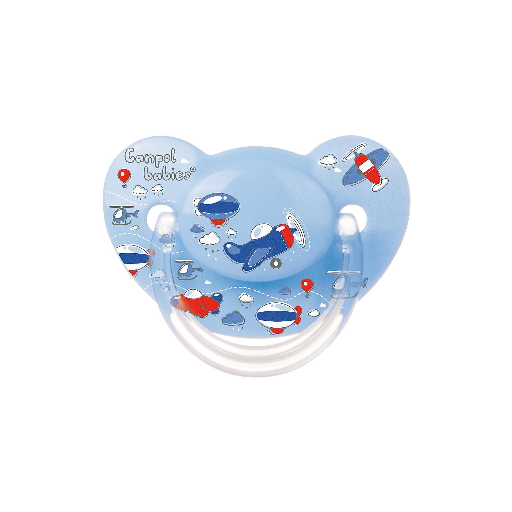 Пустышка анатомическая силиконовая, 6-18 Machines, Canpol Babies, голубойХарактеристики:<br><br>• Наименование: пустышка<br>• Пол: для мальчика<br>• Материал: силикон, пластик<br>• Цвет: голубой, синий, красный<br>• Форма: анатомическая<br>• Наличие отверстий для вентиляции<br>• Наличие кольца для держателя<br>• Особенности ухода: регулярная стерилизация и своевременная замена<br><br>Пустышка анатомическая силиконовая, 6-18 Machines, Canpol Babies, голубой имеет специальную форму, которая обеспечивает правильное давление на небо. Изготовлена из запатентованного вида силикона, который не имеет запаха. При правильном уходе обеспечивает длительное использование. У соски имеется классический ограничитель с отверстиями для вентиляции и кольцо для держателя. Пустышка анатомическая силиконовая, 6-18 Machines, Canpol Babies, голубой выполнена в ярком дизайне с изображением воздушного транспорта.<br><br>Пустышку анатомическую силиконовую, 6-18 Machines, Canpol Babies, голубую можно купить в нашем интернет-магазине.<br><br>Ширина мм: 95<br>Глубина мм: 45<br>Высота мм: 155<br>Вес г: 110<br>Возраст от месяцев: 6<br>Возраст до месяцев: 18<br>Пол: Мужской<br>Возраст: Детский<br>SKU: 5156617