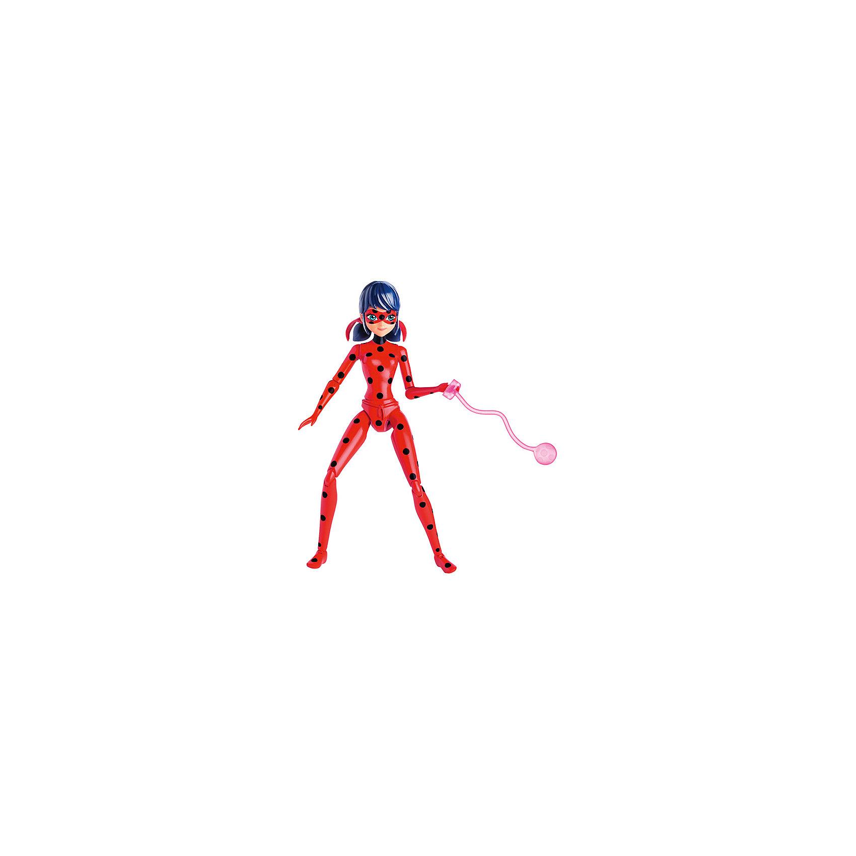 Фигурка Леди Баг в красном, 13 см, Леди Баг и Супер-КотЛеди Баг и Супер-Кот<br>Фигурка Леди Баг в красном, 13 см, Леди Баг и Супер-Кот.<br><br>Характеристики:<br><br>- В наборе: фигурка, 2 аксессуара<br>- Высота фигурки: 13 см.<br>- Материал: пластик<br>- Упаковка: блистер на картоне<br>- Размер упаковки: 16,5 x 25,4 x 5 см.<br><br>Фигурка Леди Баг создана на основе популярного детского мультфильма Леди Баг и Супер-Кот, сюжет которого посвящен приключениям двух юных супергероев в современном Париже. Коллекционная фигурка выполнена в виде героини мультфильма Маринетт Дюпэн-Чэн в образе Леди Баг. Костюм божьей коровки ярко-красного цвета в чёрный горошек, волосы темно синего цвета, собранные в хвостики, маска, частично скрывающая лицо придают фигурке полное сходство со своим экранным прототипом. Выразительно сделаны большие глаза, смотрящие из-под маски. У фигурки 9 точек артикуляции, она может принимать различные позы, благодаря чему можно реалистично имитировать сцены сражений. Дополнительные аксессуары – два вида оружия, крепящихся в руке, помогут еще больше разнообразить игру.<br><br>Фигурку Леди Баг в красном, 13 см, Леди Баг и Супер-Кот купить в нашем интернет-магазине.<br><br>Ширина мм: 51<br>Глубина мм: 254<br>Высота мм: 165<br>Вес г: 172<br>Возраст от месяцев: 48<br>Возраст до месяцев: 2147483647<br>Пол: Женский<br>Возраст: Детский<br>SKU: 5156894