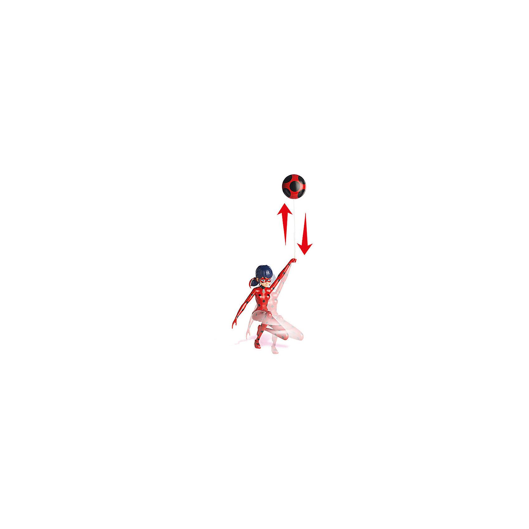 Фигурка Леди Баг в красном, 19 см, Леди Баг и Супер-КотЛеди Баг и Супер-Кот<br>Фигурка Леди Баг в красном, 19 см, Леди Баг и Супер-Кот.<br><br>Характеристики:<br><br>- В наборе: фигурка, пусковой механизм<br>- Высота фигурки: 19 см.<br>- Материал: пластик<br>- Размер упаковки: 20х7х25 см.<br><br>Фигурка Леди Баг создана на основе популярного детского мультфильма Леди Баг и Супер-Кот, сюжет которого посвящен приключениям двух юных супергероев в современном Париже. Фигурка выполнена в виде героини мультфильма Маринетт Дюпэн-Чэн в образе Леди Баг. Костюм божьей коровки ярко-красного цвета в чёрный горошек, волосы темно синего цвета, собранные в хвостики, маска, частично скрывающая лицо придают фигурке полное сходство со своим экранным прототипом. Выразительно сделаны большие глаза, смотрящие из-под маски. У фигурки 9 точек артикуляции, она может принимать различные позы, благодаря чему можно реалистично имитировать сцены сражений. Фигурка позволяет продемонстрировать в игре уникальные возможности. Леди Баг сможет совершить классический прыжок её героини мультика с помощью специального приспособления на присоске с пусковым механизмом. Для этого нужно закрепить присоску на стекле или стене, опустить веревку, затем нажать на пусковой механизм - и фигурка подпрыгнет и взлетит, как в мультфильме!<br><br>Фигурку Леди Баг в красном, 19 см, Леди Баг и Супер-Кот купить в нашем интернет-магазине.<br><br>Ширина мм: 76<br>Глубина мм: 254<br>Высота мм: 203<br>Вес г: 437<br>Возраст от месяцев: 48<br>Возраст до месяцев: 2147483647<br>Пол: Женский<br>Возраст: Детский<br>SKU: 5156896