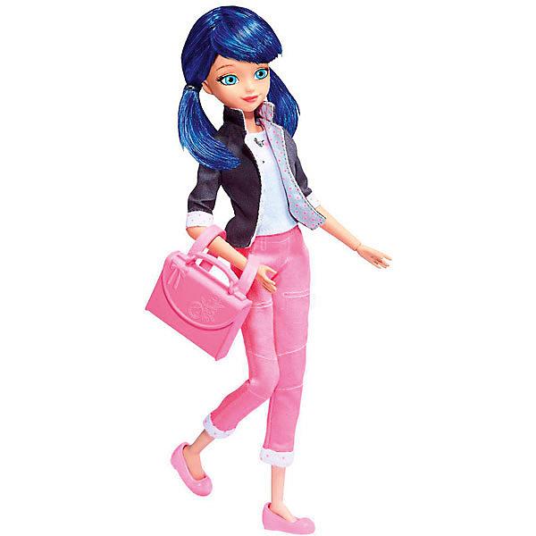 Кукла Леди Баг и Супер-Кот - Маринет, 26 смКуклы<br>Кукла Маринетт, 26 см, Леди Баг и Супер-Кот.<br><br>Характеристики:<br><br>- Высота куклы: 26 см.<br>- Материал: пластик, текстиль<br>- Размер упаковки: 15,2 х 6,4 х 34,3 см.<br><br>Кукла Маринетт создана на основе популярного детского мультфильма Леди Баг и Супер-Кот, сюжет которого посвящен приключениям двух юных супергероев в современном Париже. Кукла выполнена в виде Маринетт Дюпэн-Чэн - ученицы французского колледжа и по совместительству супергероини. Кукла одета в розовые укороченные брюки, светлую блузку и элегантный жакет, на ногах симпатичные розовые балетки. В руках она держит изящную сумочку. Пышные, густые волосы синего цвета собраны в два хвостика - по желанию девочка сможет расчесывать их и создавать разнообразные укладки. Кукла выполнена из качественного пластика, руки и ноги подвижны.<br><br>Куклу Маринетт, 26 см, Леди Баг и Супер-Кот купить в нашем интернет-магазине.<br>Ширина мм: 64; Глубина мм: 343; Высота мм: 152; Вес г: 318; Возраст от месяцев: 48; Возраст до месяцев: 2147483647; Пол: Женский; Возраст: Детский; SKU: 5158101;
