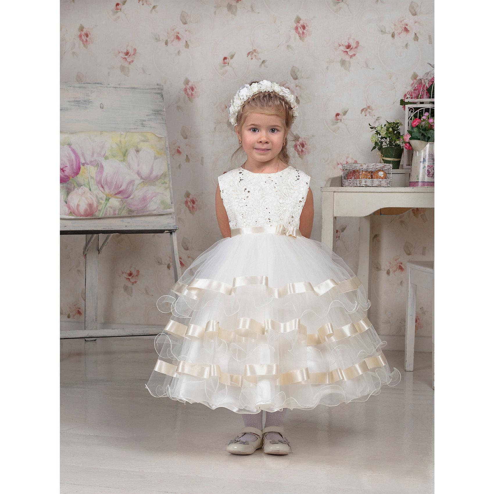 Платье нарядное ПрестижПлатье для девочки Престиж.<br><br>Характеристики:<br><br>• пышный силуэт<br>• без рукавов<br>• цвет: молочный<br>• состав: 100% полиэстер<br><br>Пышное платье Престиж поражает своей красотой. Воздушная юбка с атласными лентами по краю отлично сочетается с верхом, декорированным вышивкой, стразами и аппликацией. Тонкий атласный пояс дополняет образ юной дамы.<br>Платье застегивается на молнию по спинке.<br><br>Платье регулируется шнуровкой сзади, от талии до верха спинки. Шнуровка в комплекте.<br>Платье подходит для занятий бальными танцами.<br><br>Вы можете купить платье для девочки Престиж в нашем интернет-магазине.<br><br>Ширина мм: 236<br>Глубина мм: 16<br>Высота мм: 184<br>Вес г: 177<br>Цвет: молочный<br>Возраст от месяцев: 72<br>Возраст до месяцев: 84<br>Пол: Женский<br>Возраст: Детский<br>Размер: 116<br>SKU: 5158306