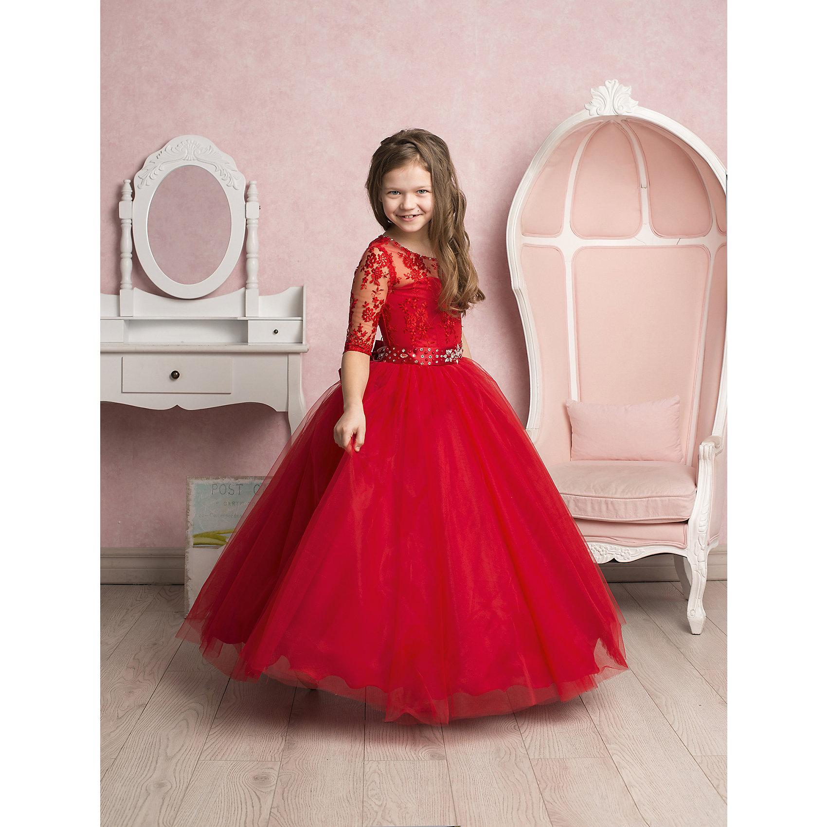 Платье нарядное ПрестижХарактеристики:<br><br>• Вид детской и подростковой одежды: платье<br>• Предназначение: праздничная<br>• Платье подходит для занятий бальными танцами<br>• Коллекция: Veronikaiko<br>• Сезон: круглый год<br>• Тематика рисунка: цветы<br>• Цвет: красный<br>• Материал: 100% полиэстер<br>• Силуэт: А-силуэт<br>• Юбка: солнце<br>• Рукав: 3/4<br>• Вырез горловины: круглый<br>• Длина платья: макси<br>• Застежка: молния на спинке<br>• В комплекте предусмотрен пояс, декорированный стразами<br>• Особенности ухода: ручная стирка при температуре не более 30 градусов<br><br>Платье регулируется шнуровкой сзади, от талии до верха спинки. Шнуровка в комплекте.<br>Платье подходит для занятий бальными танцами.<br><br>Платье нарядное для девочки Престиж от отечественного производителя праздничной одежды и аксессуаров как для взрослых, так и для детей. Изделие выполнено из 100% полиэстера, который обладает легкостью, прочностью, устойчивостью к износу и пятнам. <br><br>Платье отрезное по талии, имеет классический А-силуэт, круглую горловину и пышную юбку макси. Верх платья выполнен в стиле корсета с кружевом и рукавами 3/4. Платье выполнено в ярком красном цвете. В комплекте предусмотрен пояс, декорированный стразами. <br><br>Платье нарядное для девочки Престиж – это неповторимый стиль вашей девочки на любом торжестве!<br><br>Платье нарядное для девочки Престиж можно купить в нашем интернет-магазине.<br><br>Ширина мм: 236<br>Глубина мм: 16<br>Высота мм: 184<br>Вес г: 177<br>Цвет: красный<br>Возраст от месяцев: 72<br>Возраст до месяцев: 84<br>Пол: Женский<br>Возраст: Детский<br>Размер: 116,134,122,128<br>SKU: 5158350