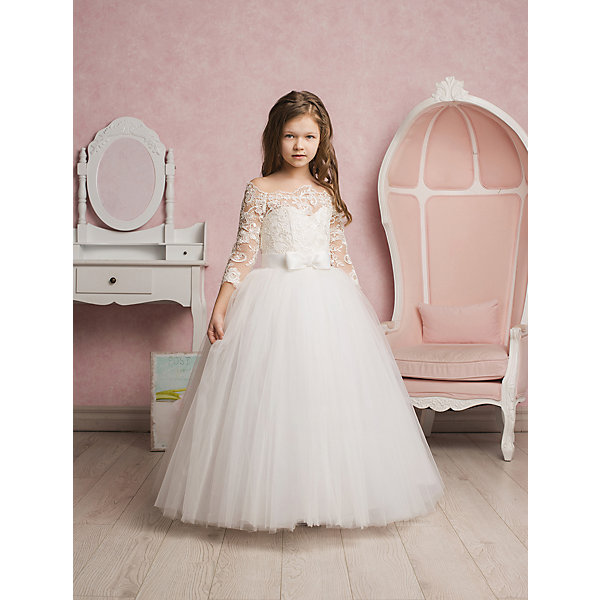 Платье нарядное ПрестижОдежда<br>Платье для девочки Престиж.<br><br>Характеристики:<br><br>• пышный силуэт<br>• корсет<br>• рукав три четверти<br>• цвет: молочный<br>• состав: 100% полиэстер<br><br>Платье для девочки Престиж имеет пышный силуэт и рукав три четверти. Полупрозрачный кружевной верх платья красиво сочетается с пышной юбкой и поясом с декоративным бантом. В этом платье девочка станет королевой любого торжества!<br><br>Платье регулируется шнуровкой сзади, от талии до верха спинки. Шнуровка в комплекте.<br>Платье подходит для занятий бальными танцами.<br><br>Вы можете купить платье для девочки Престиж в нашем интернет-магазине.<br>Ширина мм: 236; Глубина мм: 16; Высота мм: 184; Вес г: 177; Цвет: белый; Возраст от месяцев: 108; Возраст до месяцев: 120; Пол: Женский; Возраст: Детский; Размер: 128,116,122; SKU: 5158360;