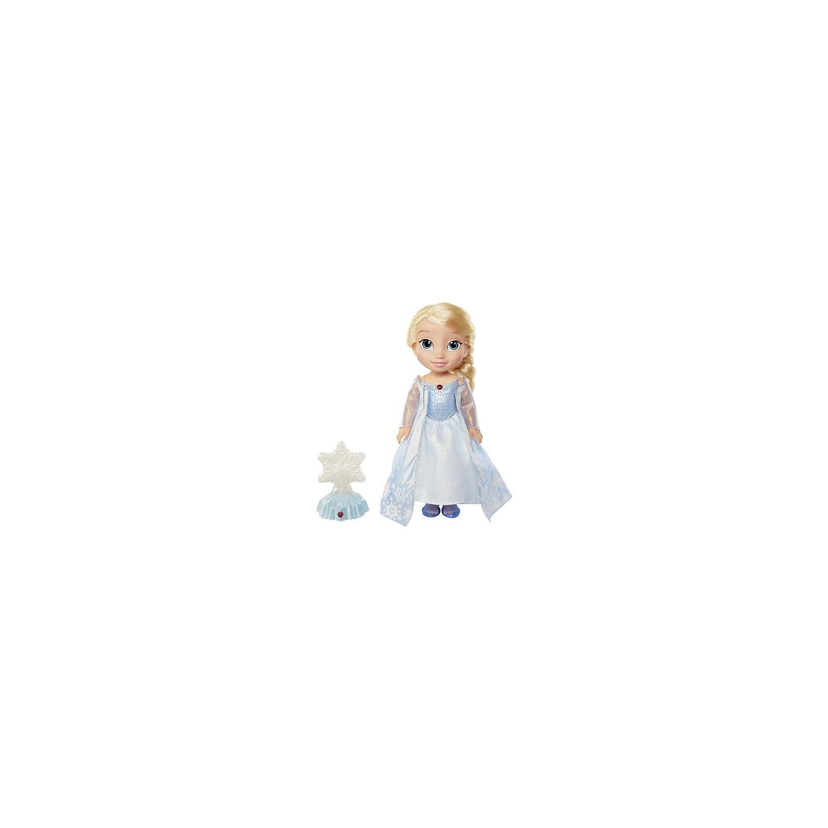 Кукла Эльза Северное сияние Холодное сердце, функциональнаяИнтерактивные куклы<br>Функциональная кукла Эльза Северное сияние, Холодное Сердце.<br><br>Характеристики:<br><br>• Размер куклы - 35 см.<br>• Снежинка меняет цвет.<br>• Цвет платья куклы зависит от цвета снежинки<br>• В комплекте – кукла, снежинка на подставке<br><br>Кукла Эльза покажет настоящее зимнее волшебство! Девочка сама может поучаствовать в чуде - нужно нажать на амулет Эльзы и кнопочку на подставке со снежинкой. Теперь достаточно только провести рукой над снежинкой и она засияет разными цветами. Одновременно, платье куколки тоже изменится под цвет снежинки, раздадутся звуки волшебства. Эльза - отличный подарок для поклонниц Холодного Сердца и всех, верящих в чудеса! <br><br>Функциональную куклу Эльза Северное сияние, Холодное Сердце, можно купить в нашем интернет – магазине.<br><br>Ширина мм: 300<br>Глубина мм: 380<br>Высота мм: 130<br>Вес г: 1300<br>Возраст от месяцев: 60<br>Возраст до месяцев: 2147483647<br>Пол: Женский<br>Возраст: Детский<br>SKU: 5163444
