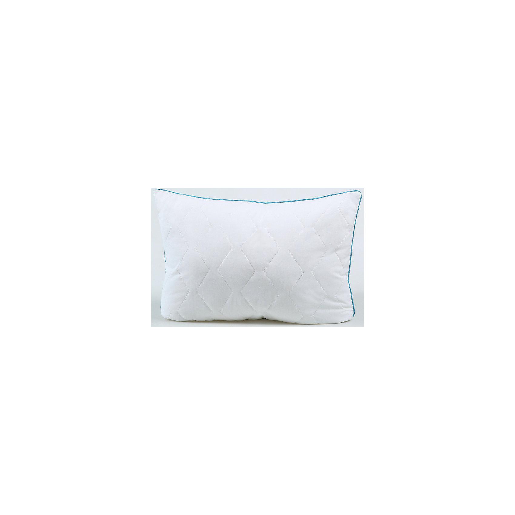 Подушка Белый лебедь Classic, 50*70, Mona LizaДомашний текстиль<br>Характеристики:<br><br>• Вид домашнего текстиля: подушка<br>• Серия: Mona Liza Classic<br>• Сезон: круглый год<br>• Материал: бязь <br>• Наполнитель: синтепон, силиконизированное волокно<br>• Цвет: молочный<br>• Тип упаковки: полиэтиленовая сумка-чехол с ручками<br>• Вес в упаковке: 800 г<br>• Размеры (Д*Ш): 50*70 см<br>• Особенности ухода: сухая чистка<br><br>Подушка 50*70 Белый лебедь Classic, Mona Liza изготовлена под отечественным торговым брендом, выпускающим постельное белье и принадлежности из натуральных тканей и высококачественных наполнителей. Подушка из стеганого чехла наполнена лебяжьим пухом, который обладает высокими гипоаллергенными свойствами, долгое время сохраняет тепло, не впитывает запахи и не сбивается. Легкая по весу, при этом достаточно пышная подушка от Mona Liza подарит здоровый и комфортный сон.<br>Подушка 50*70 Белый лебедь Classic, Mona Liza – домашний текстиль и постельные принадлежности, отвечающие международным стандартам качества и безопасности!<br><br>Подушку 50*70 Белый лебедь Classic, Mona Liza можно купить в нашем интернет-магазине.<br><br>Ширина мм: 700<br>Глубина мм: 180<br>Высота мм: 500<br>Вес г: 950<br>Возраст от месяцев: 84<br>Возраст до месяцев: 216<br>Пол: Унисекс<br>Возраст: Детский<br>SKU: 5165690